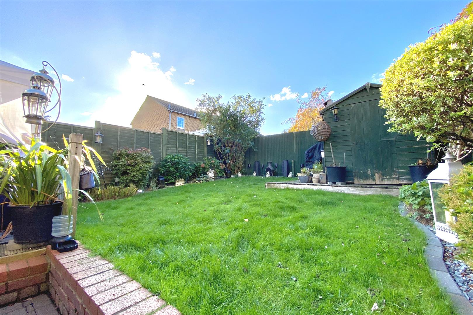 3 bed end of terrace for sale in Lower Earley 3