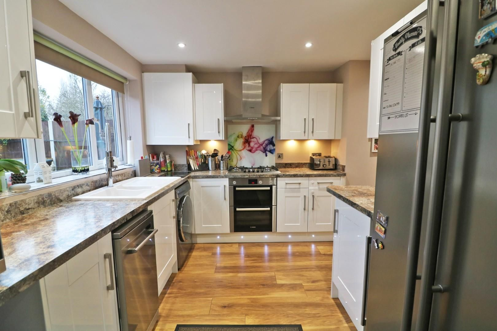 3 bed house for sale in Priestwood 2