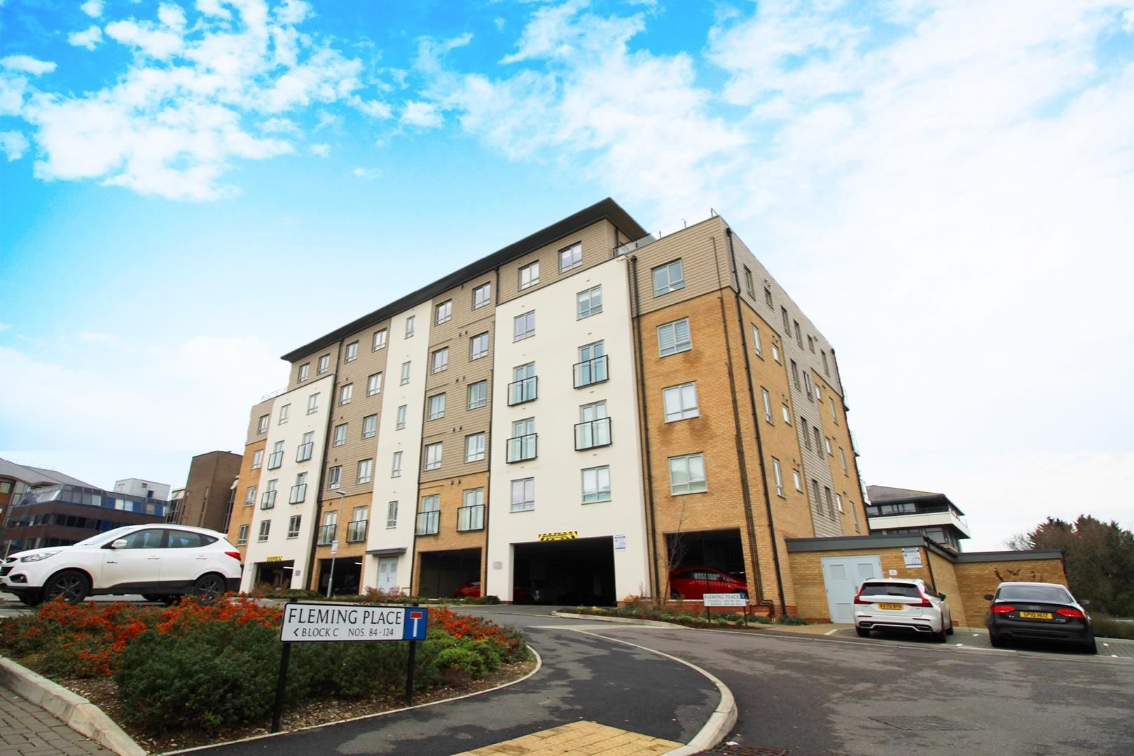1 bed apartment for sale, RG12