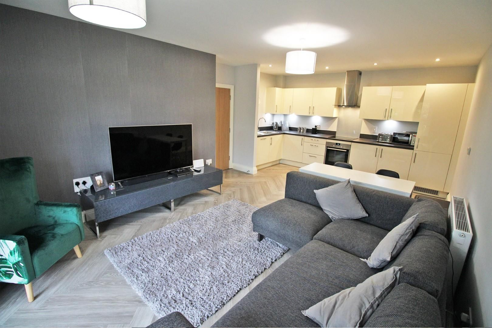 2 bed apartment for sale in London Road 2