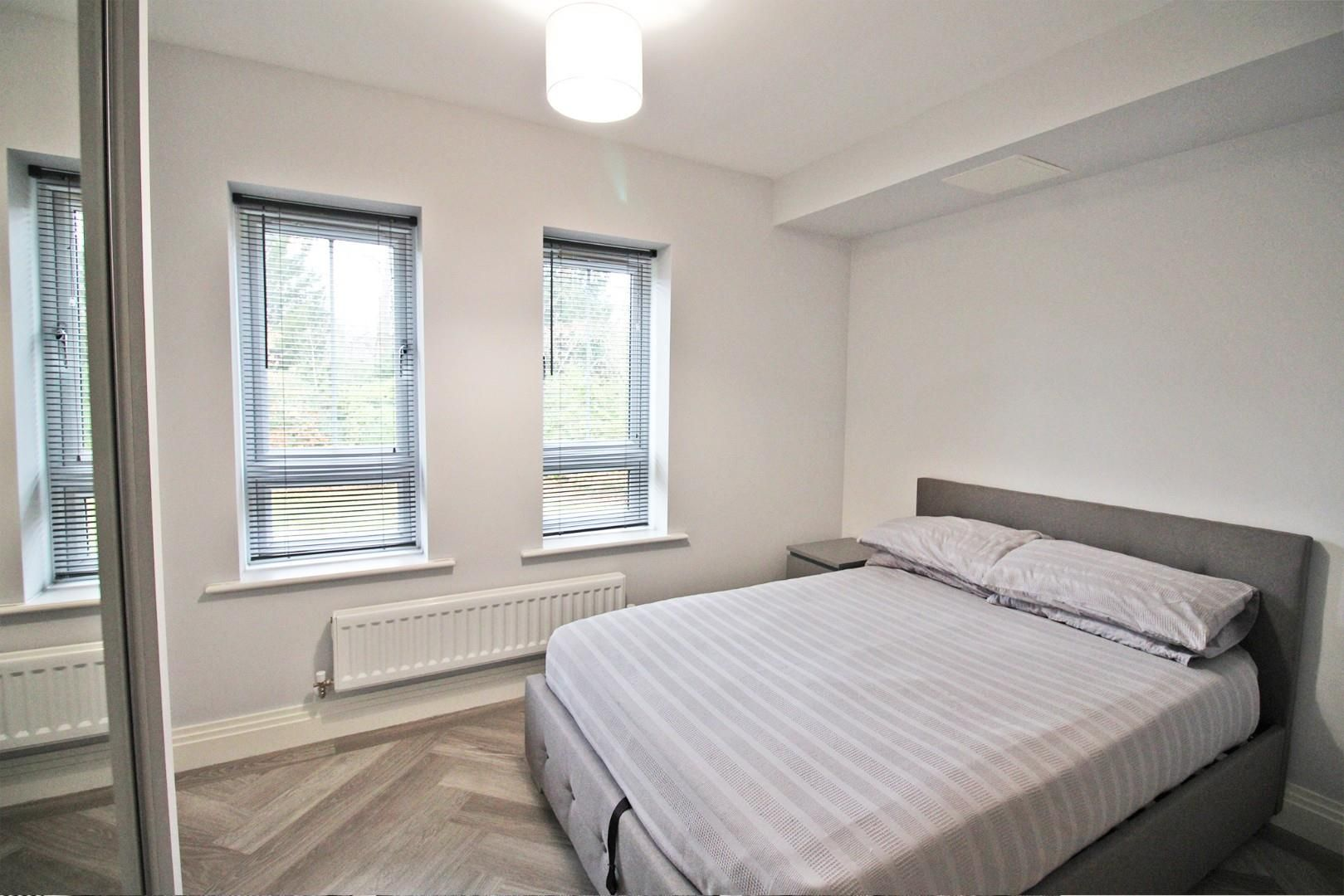 2 bed apartment for sale in London Road 5