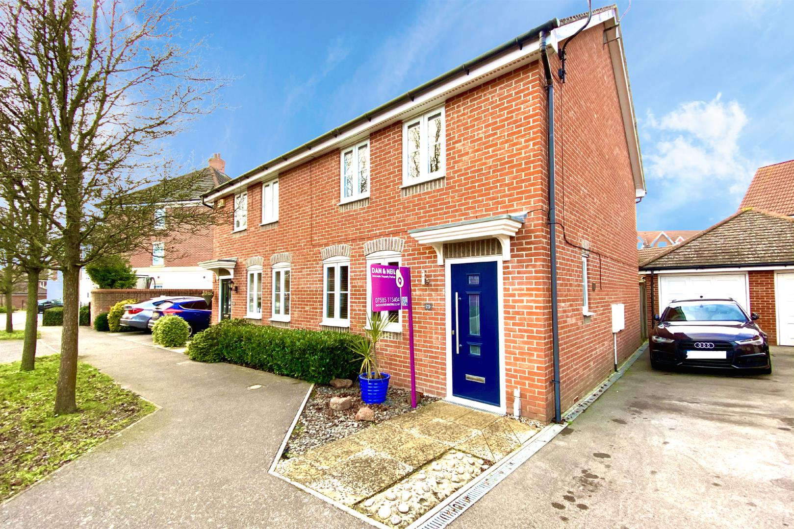 3 bed semi-detached for sale in Shinfield  - Property Image 1