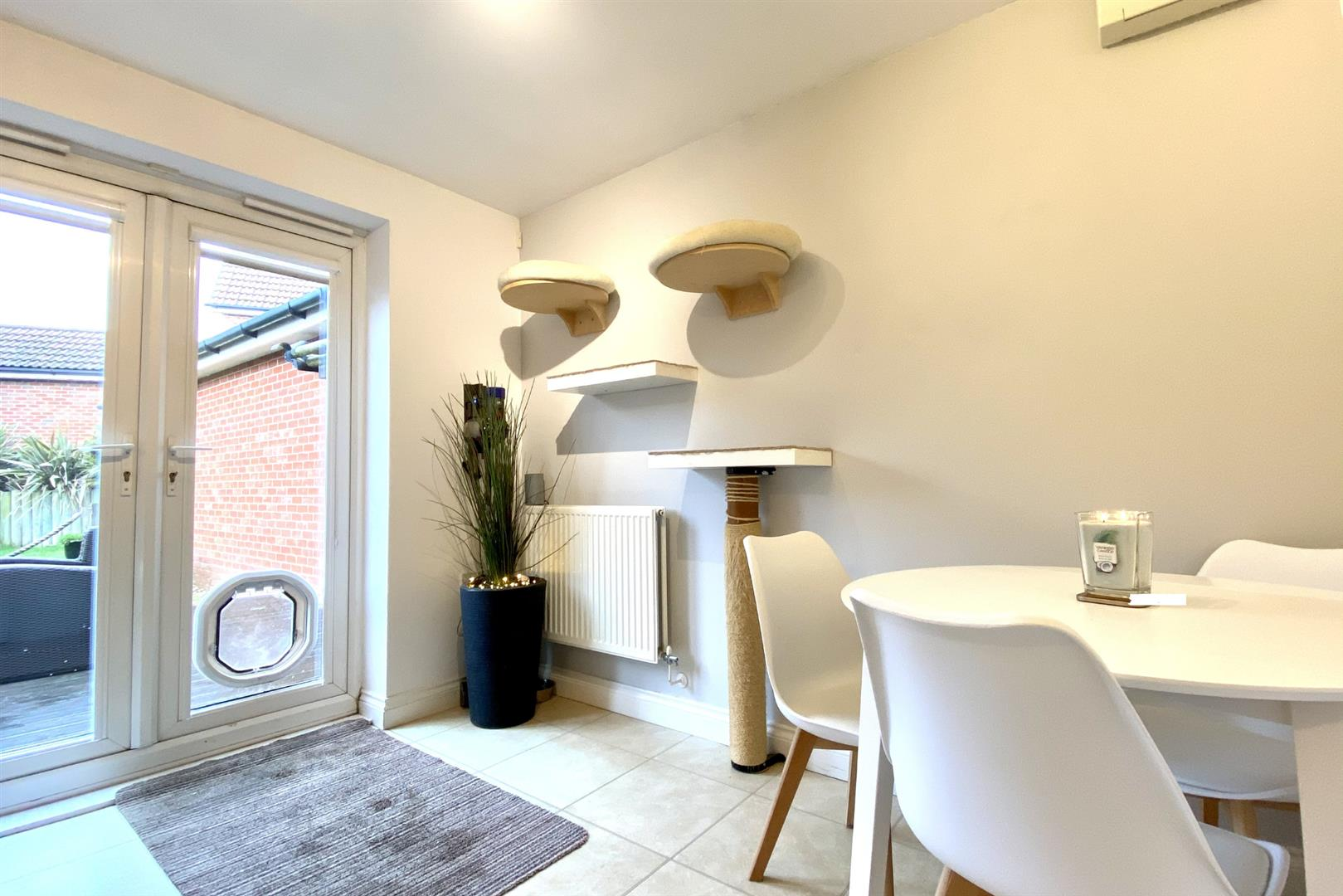 3 bed semi-detached for sale in Shinfield 5