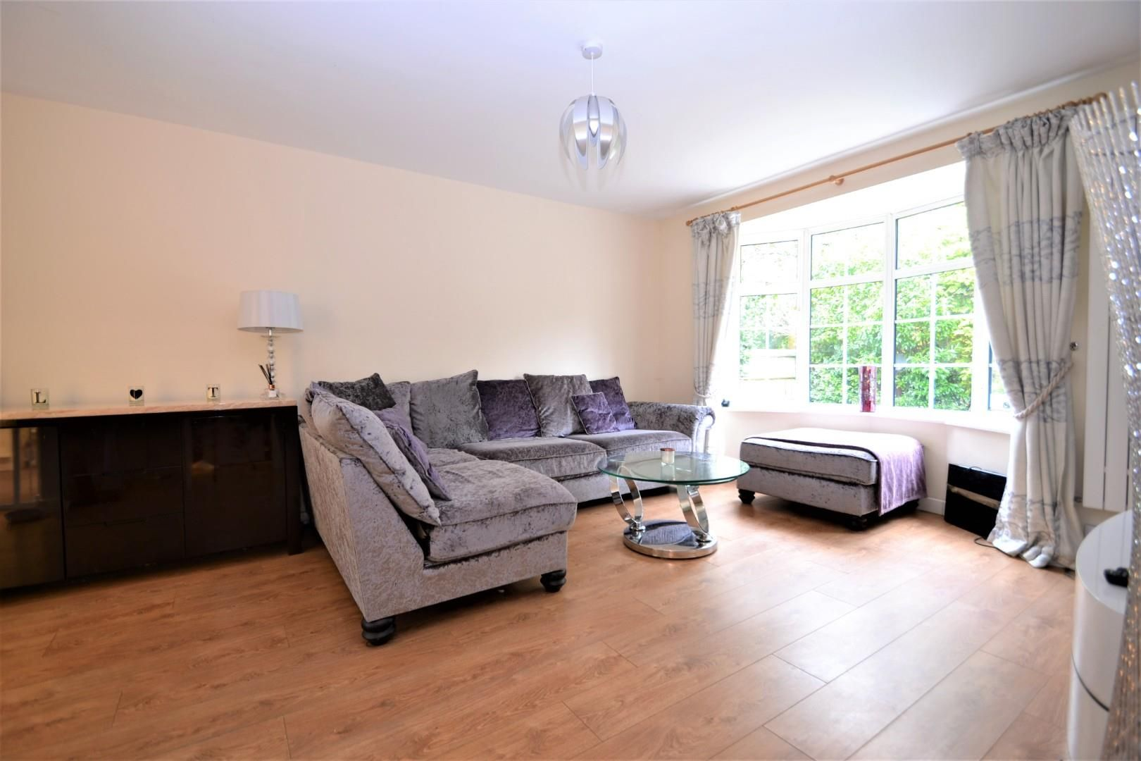 4 bed house for sale 3