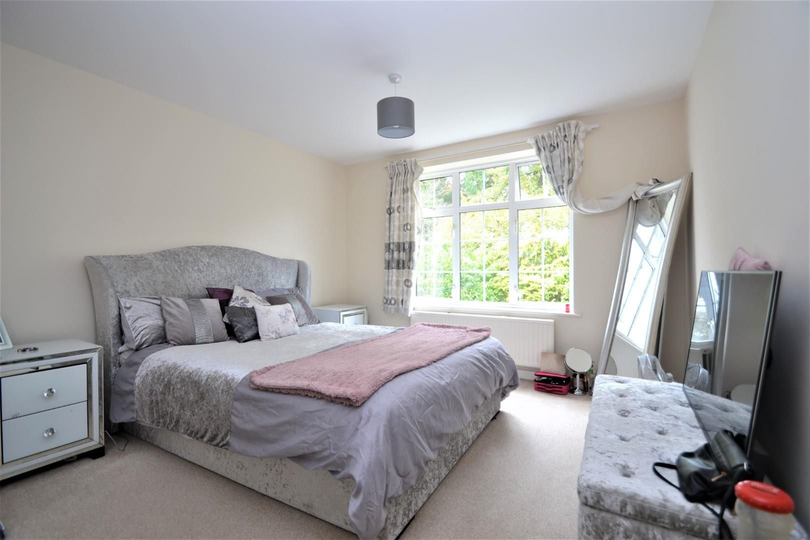 4 bed house for sale 6