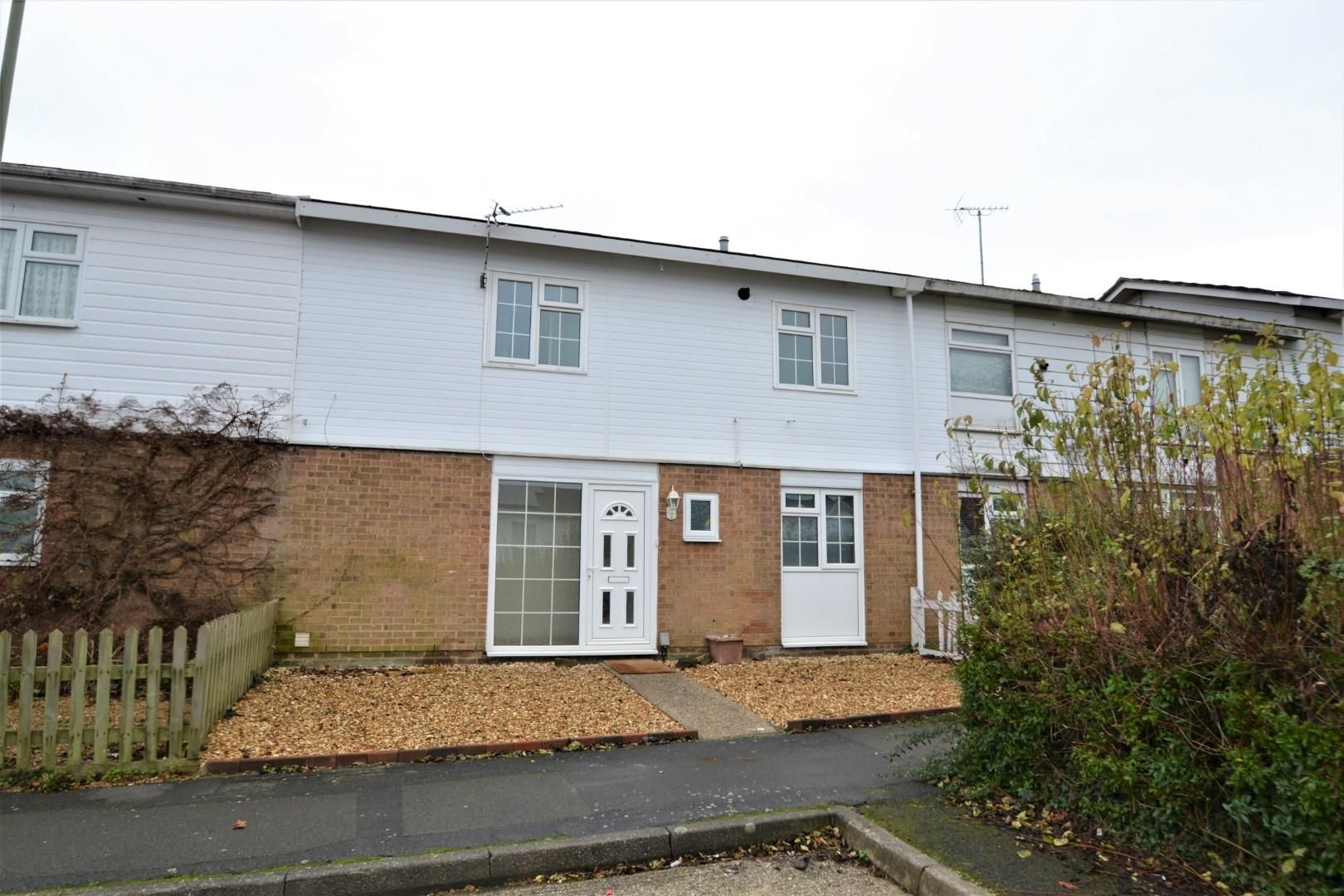 3 bed house for sale, RG24