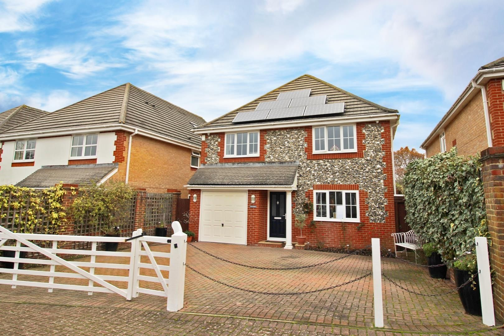5 bed detached for sale 4