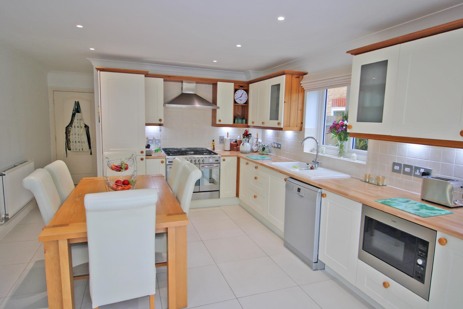 5 bed detached for sale 7