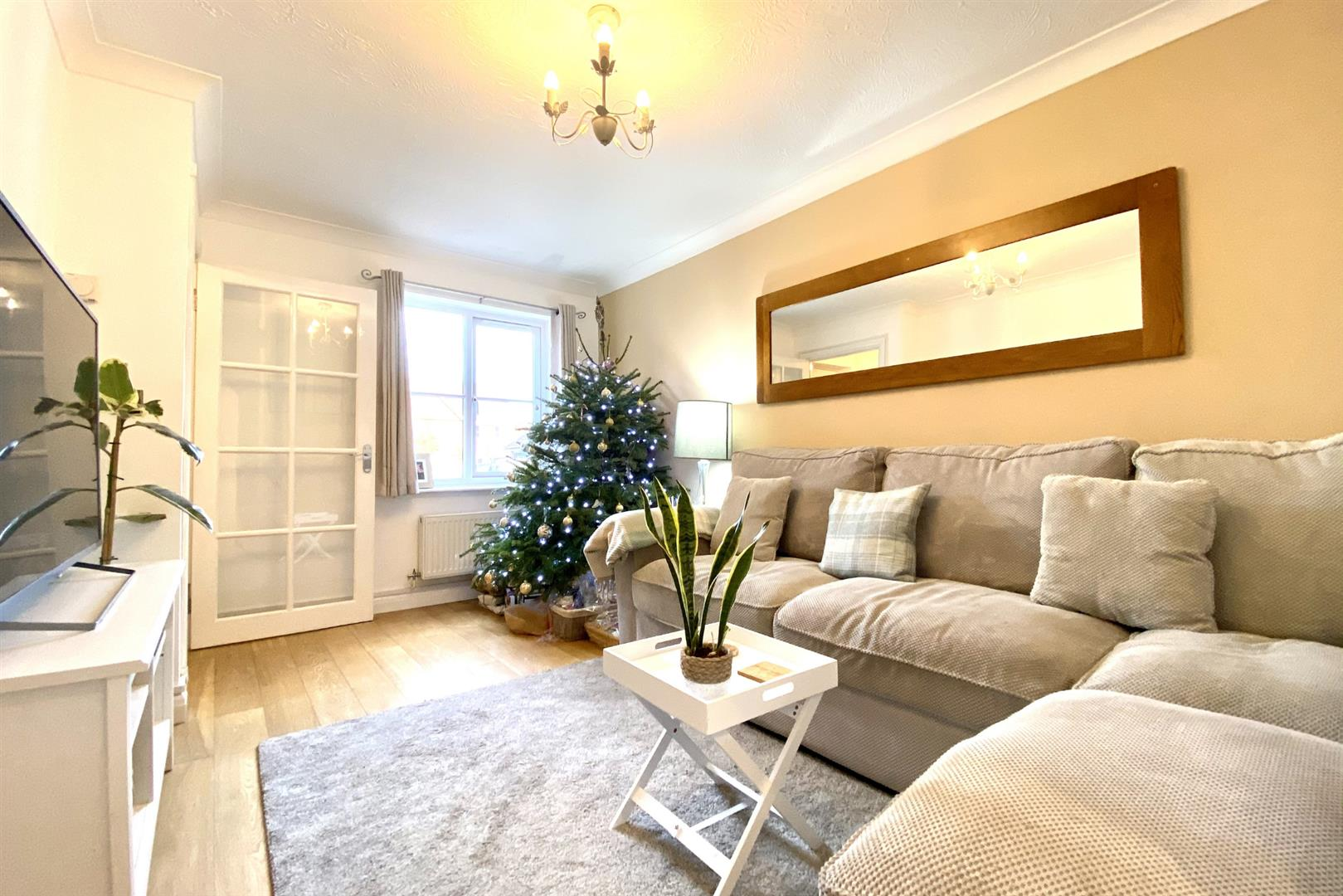2 bed terraced for sale in Three Mile Cross 7