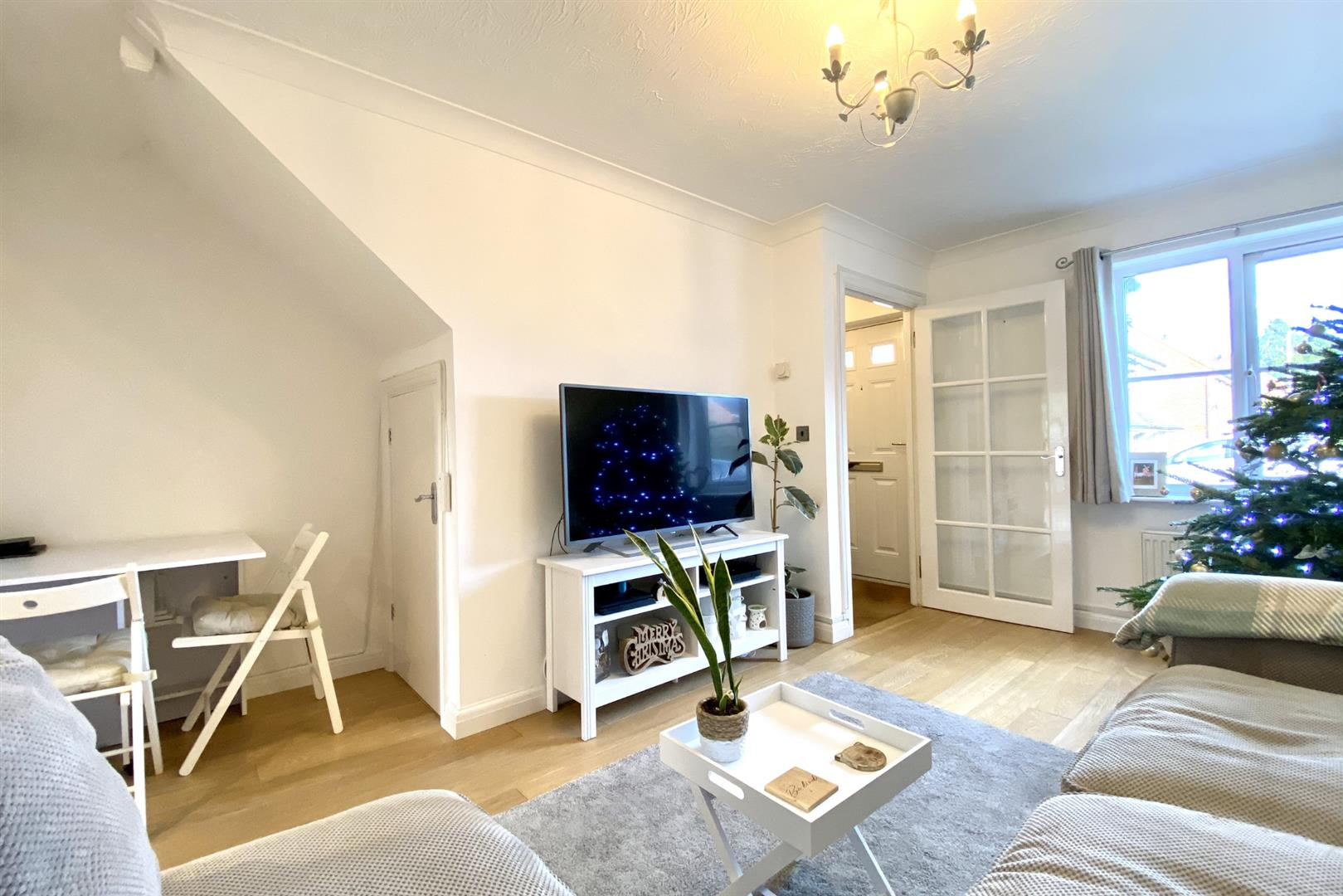 2 bed terraced for sale in Three Mile Cross  - Property Image 8