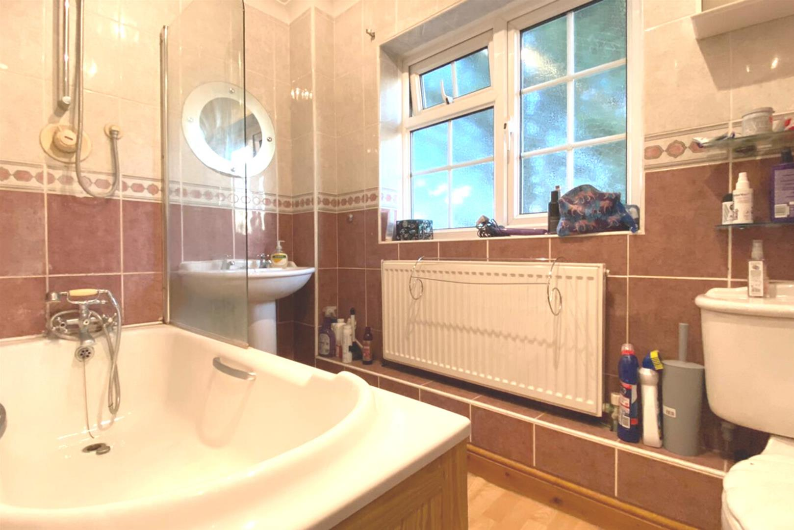 4 bed detached for sale in Charvil 9