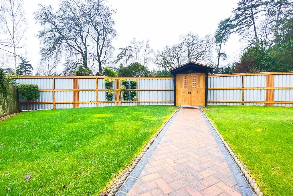 4 bed semi-detached for sale 23
