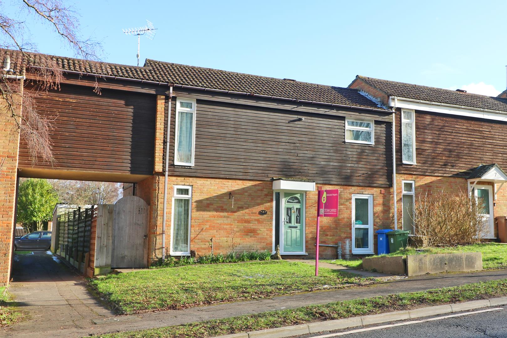 4 bed terraced for sale in Hanworth - Property Image 1