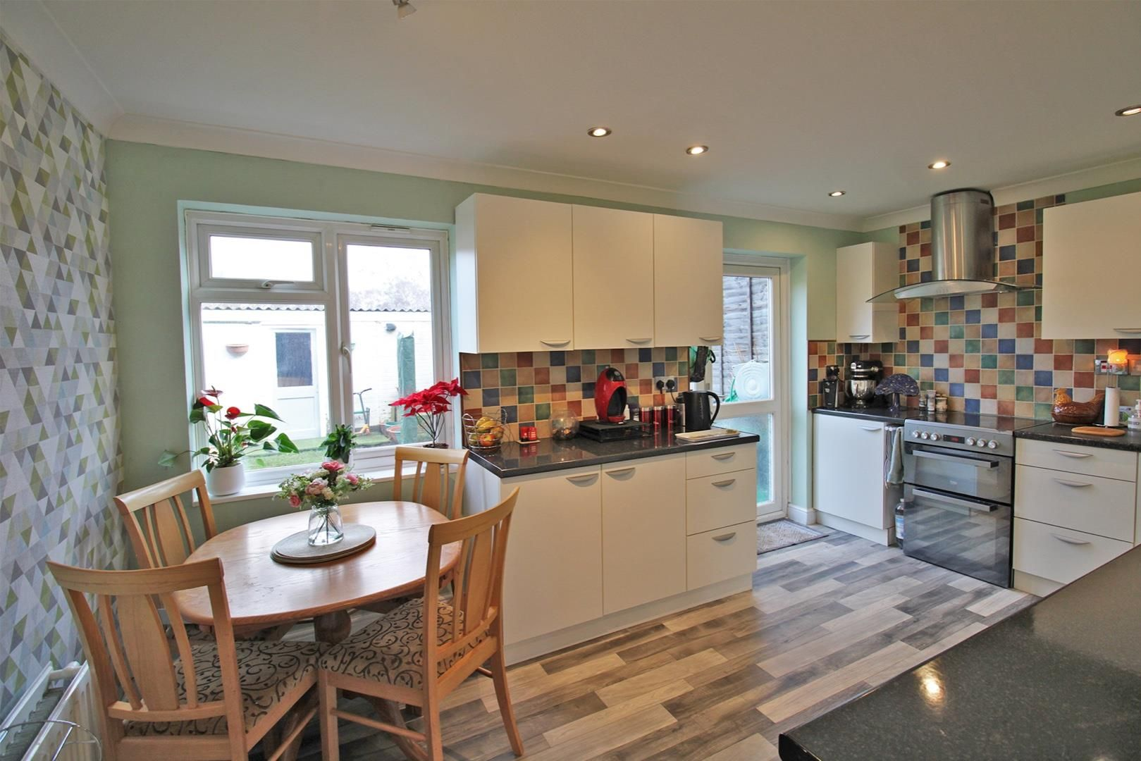 4 bed terraced for sale in Hanworth 2