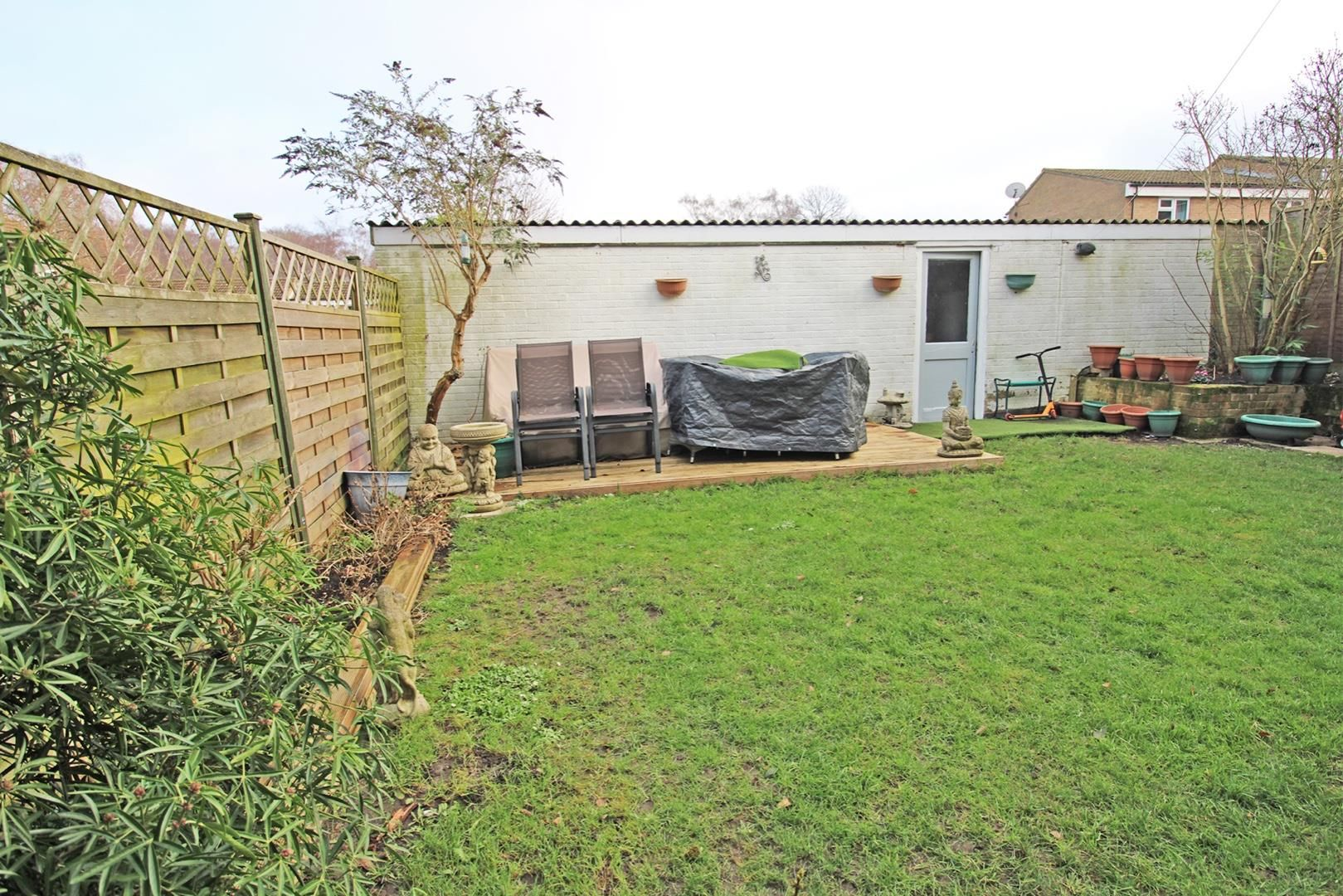 4 bed terraced for sale in Hanworth 5