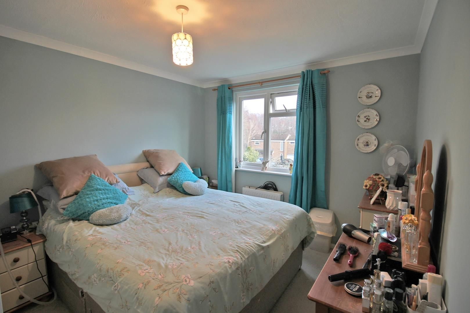 4 bed terraced for sale in Hanworth 6