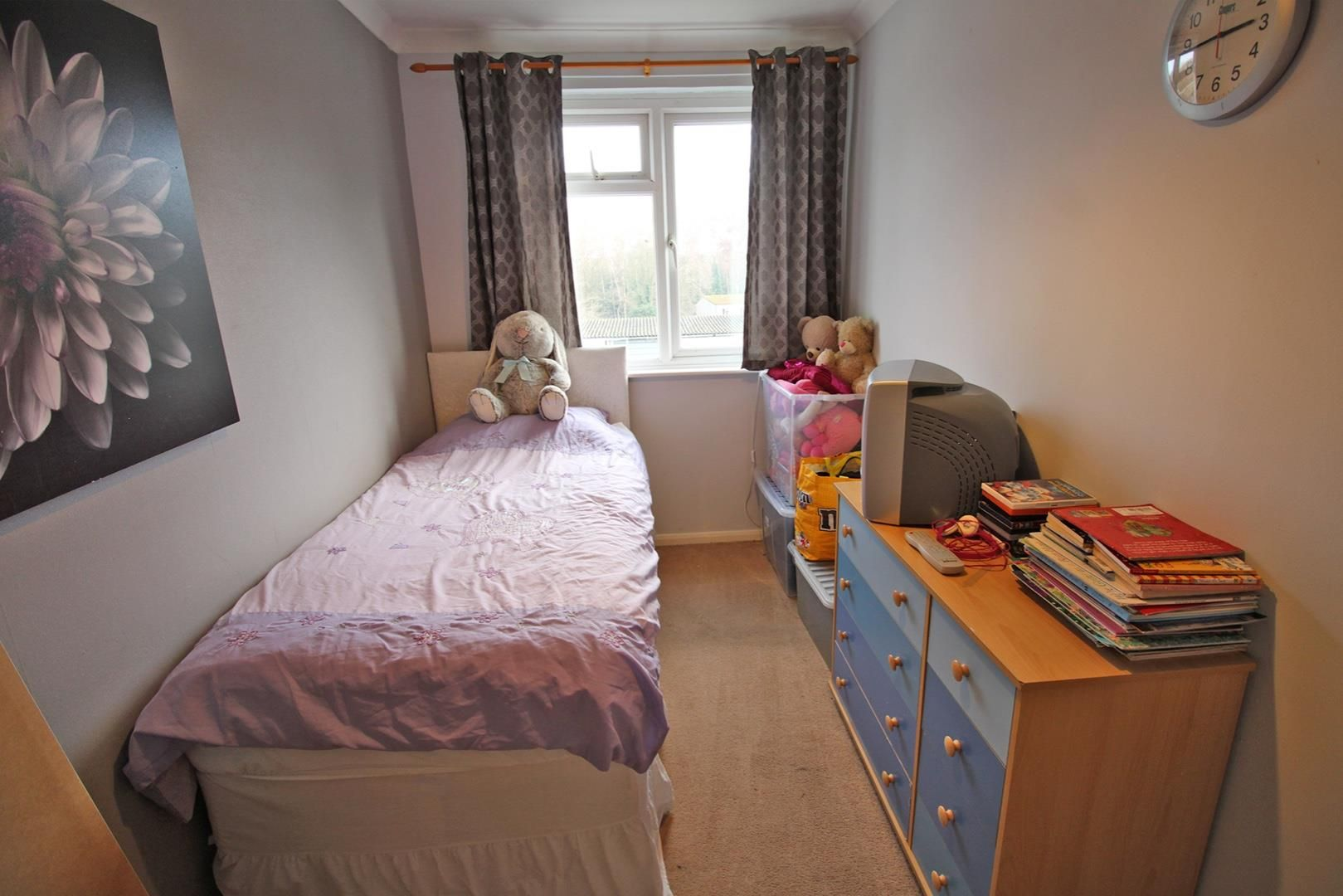 4 bed terraced for sale in Hanworth 9