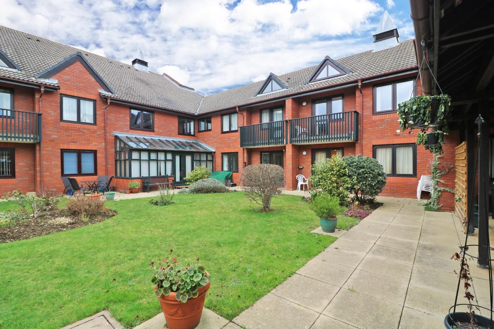 1 bed retirement property for sale in Headley Road East, RG5