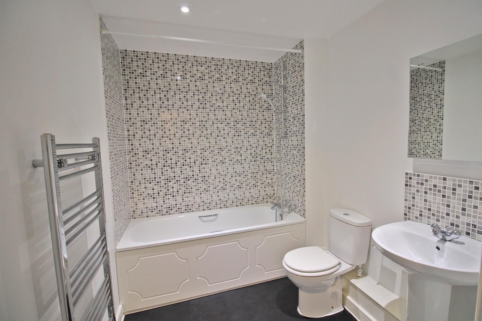 2 bed apartment to rent in The Parks  - Property Image 4