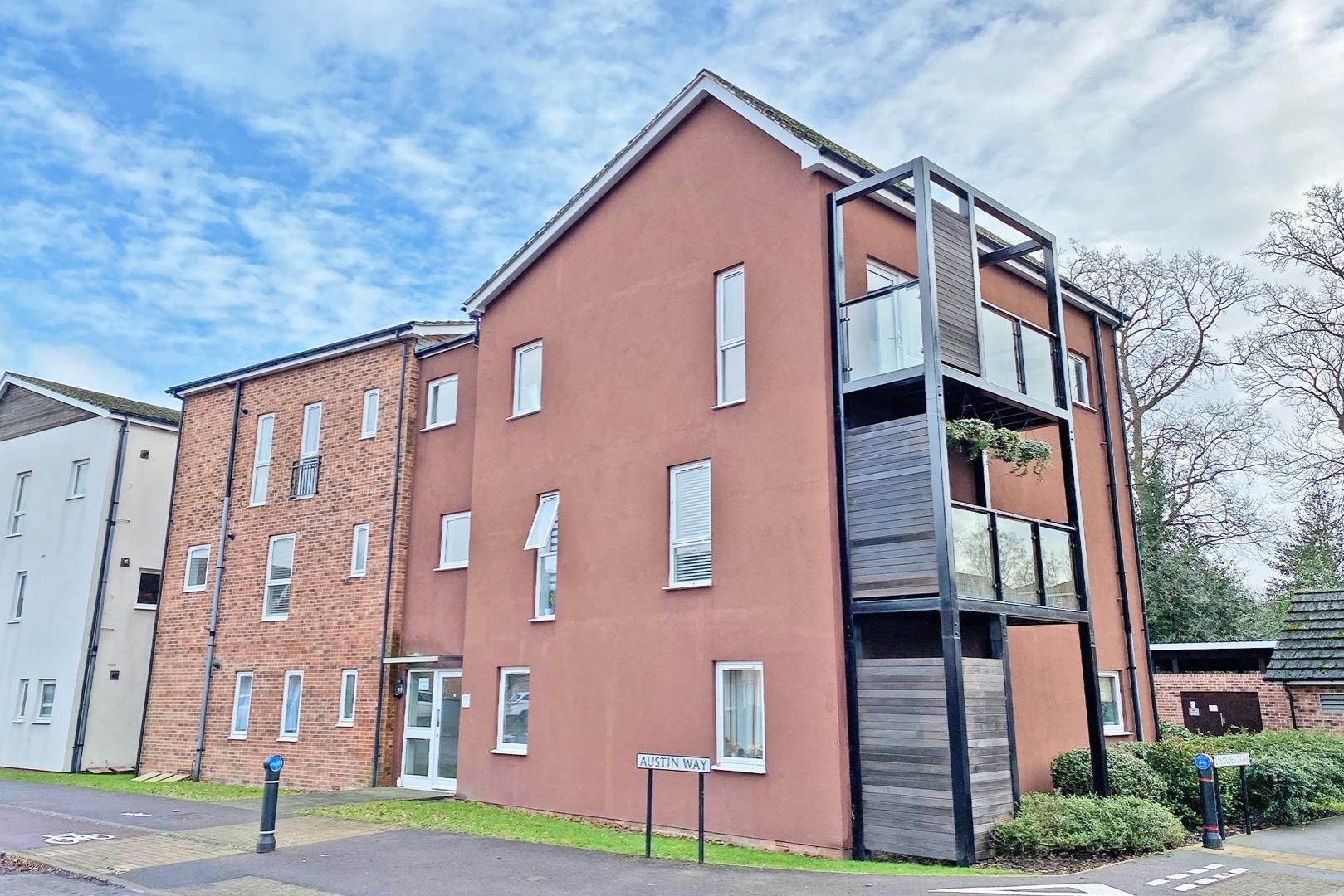 2 bed house for sale in The Parks, RG12