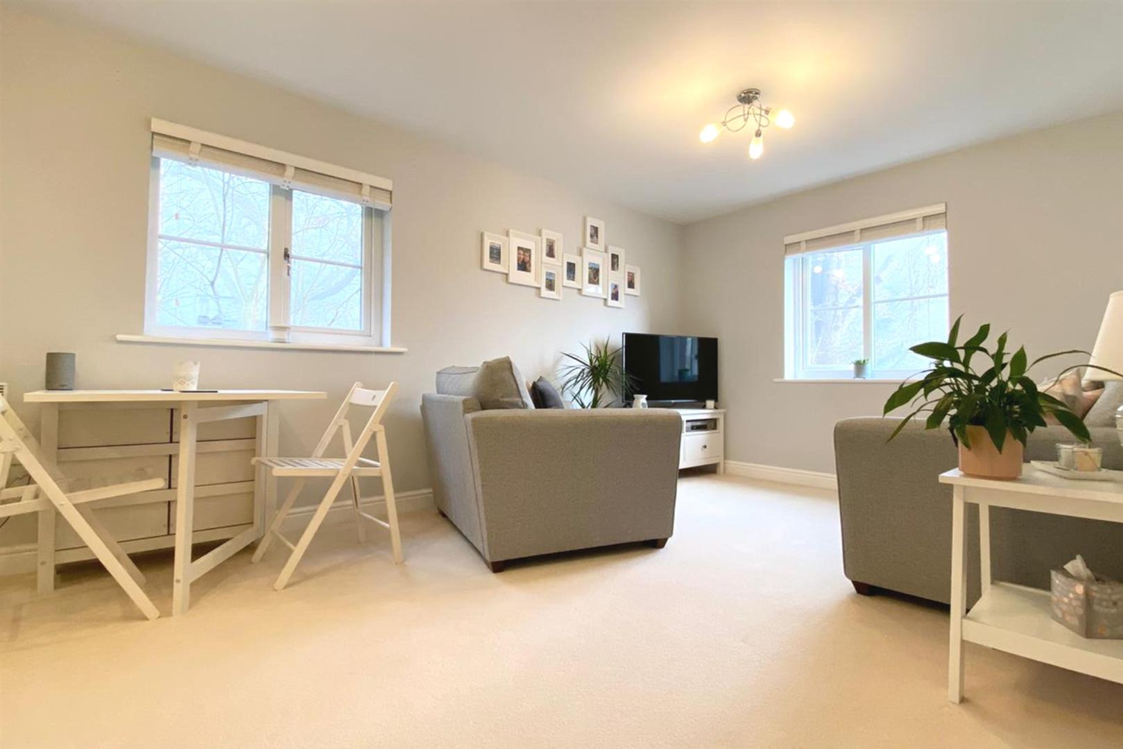 2 bed apartment for sale in Arborfield, RG2