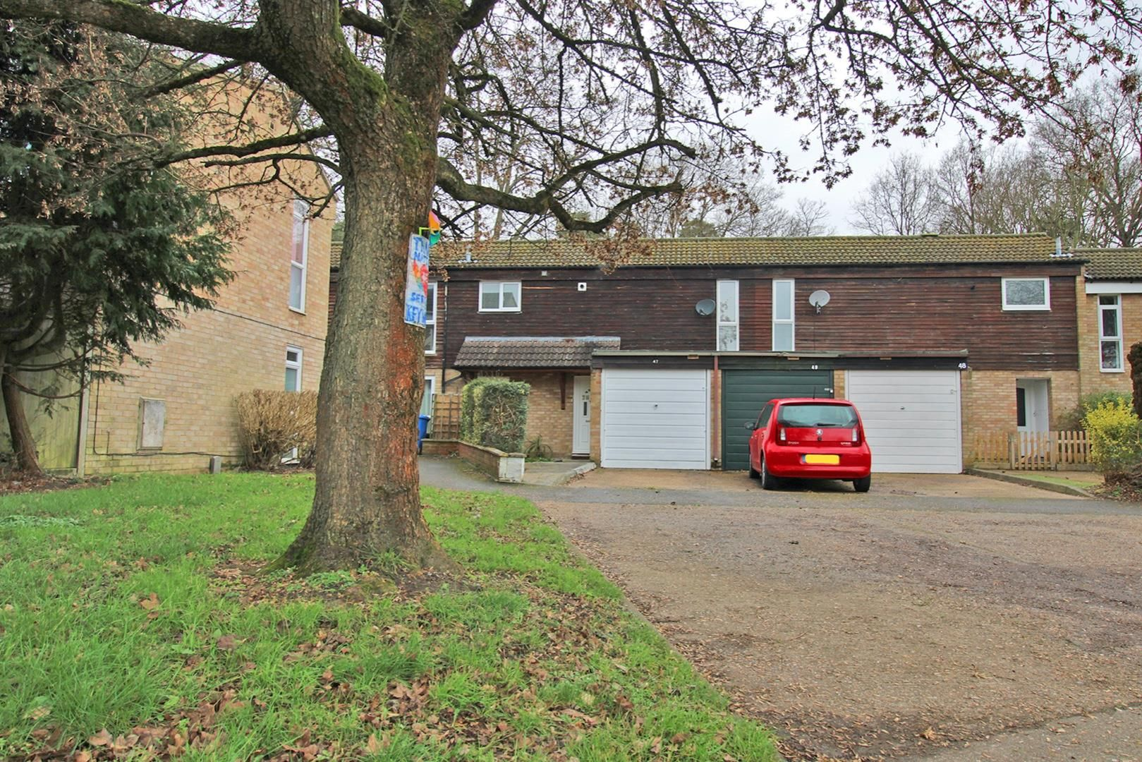 3 bed house for sale in Hanworth, RG12