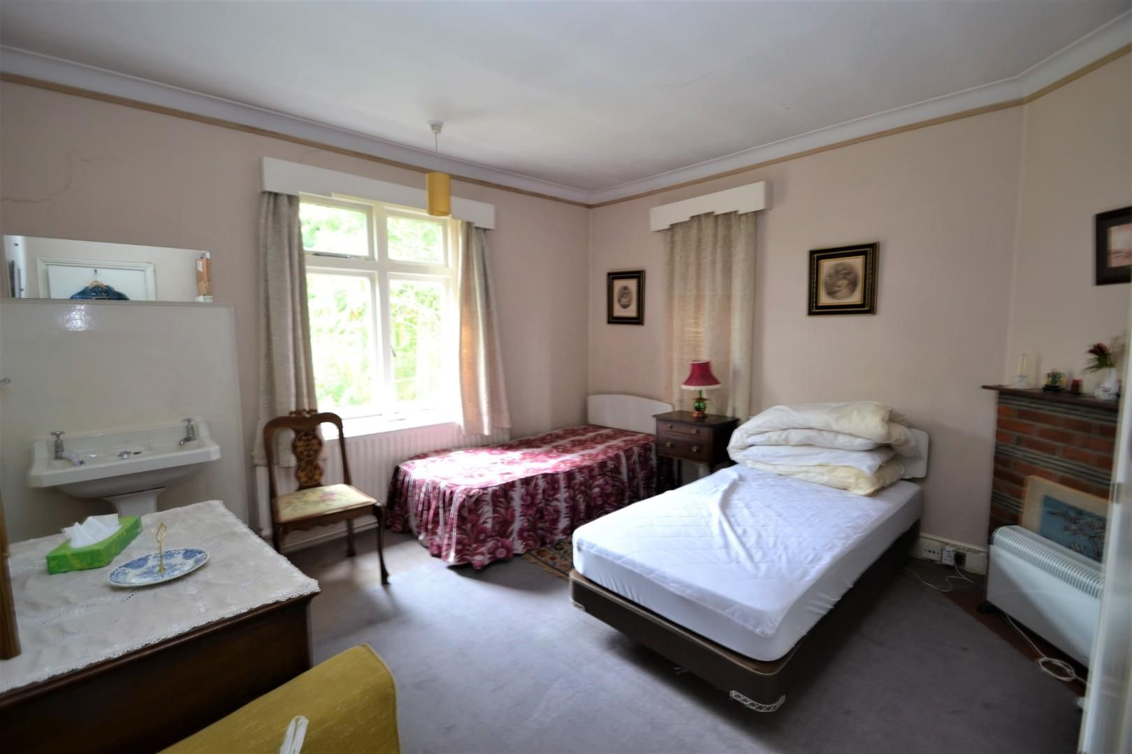 4 bed house for sale  - Property Image 13