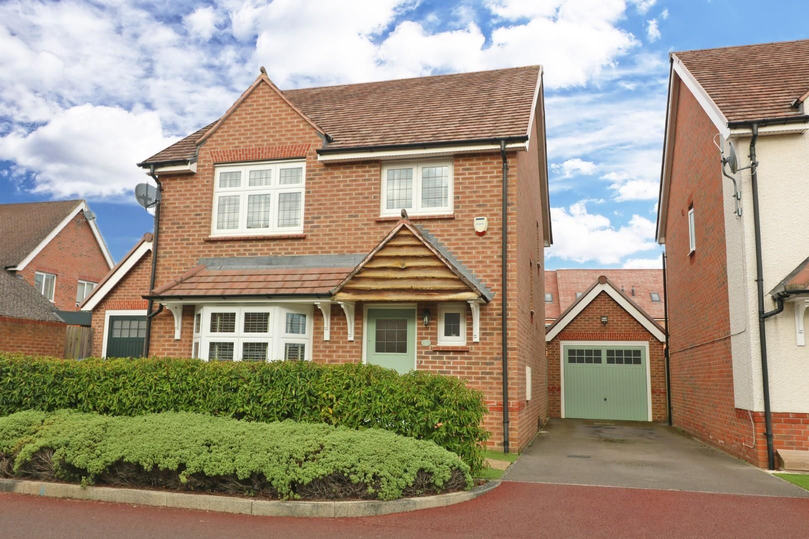 4 bed detached for sale, RG12