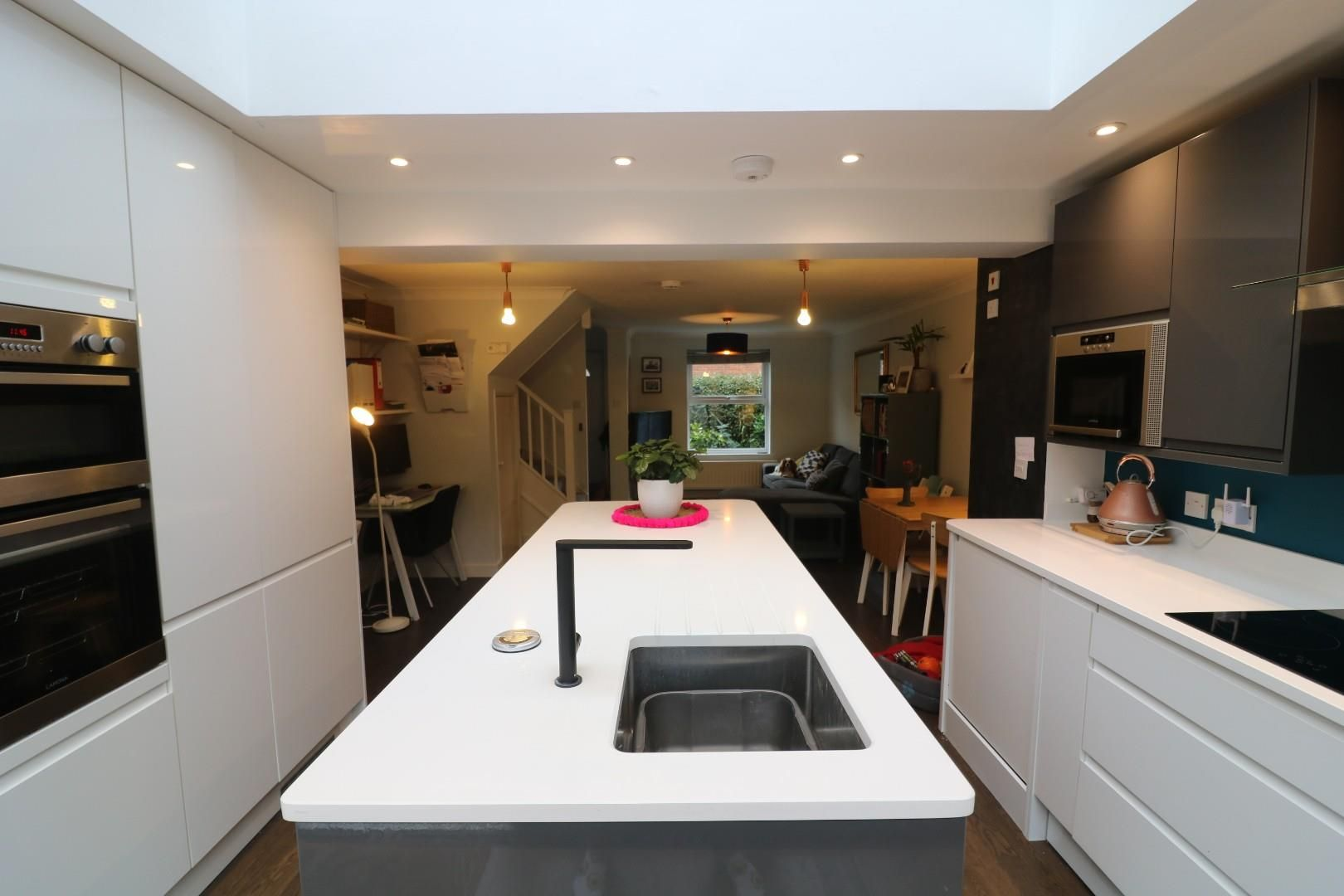3 bed house to rent in Winkfield Row 2