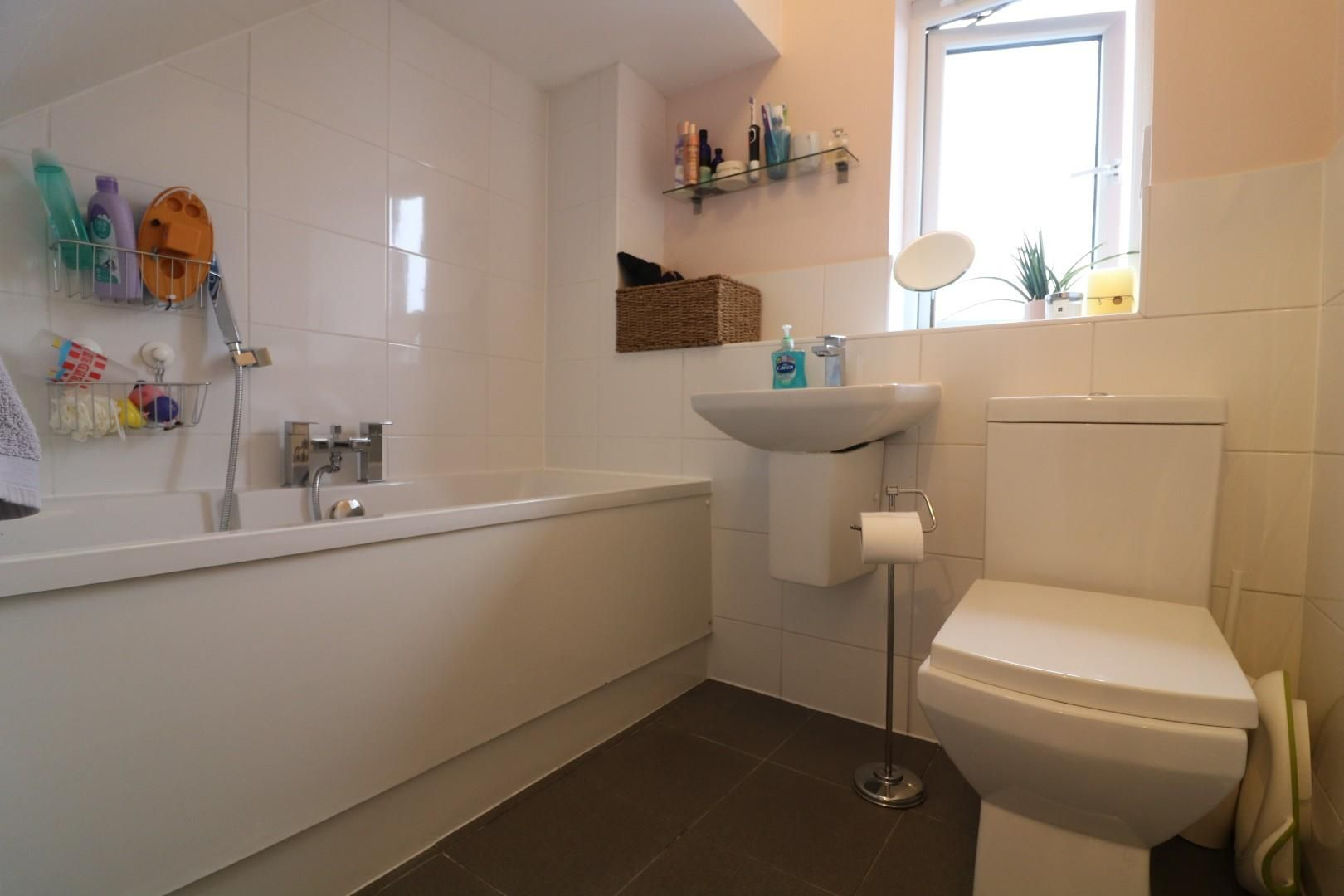 3 bed house to rent in Winkfield Row 7