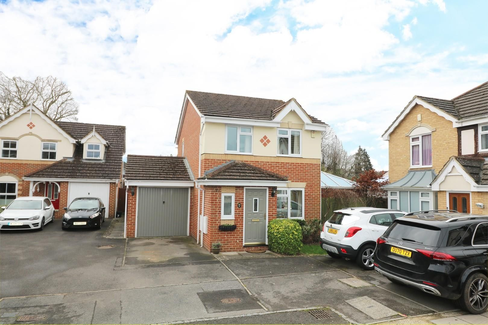 3 bed house for sale in Woodley - Property Image 1