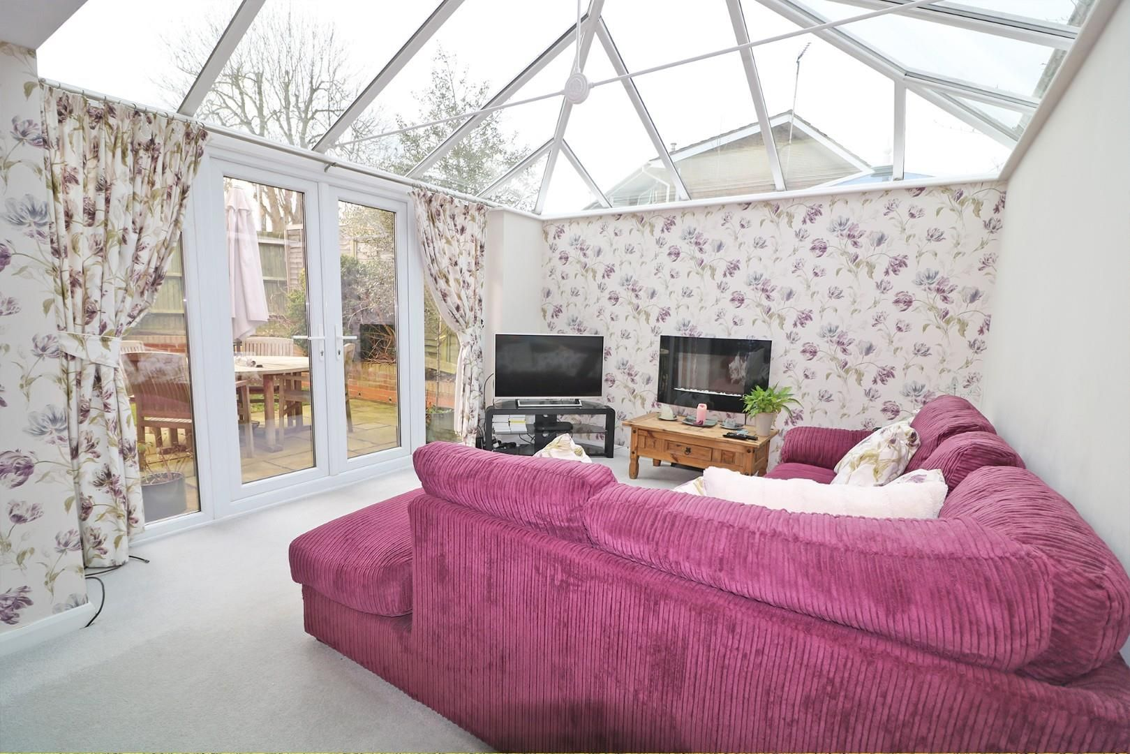 3 bed house for sale in Woodley  - Property Image 2