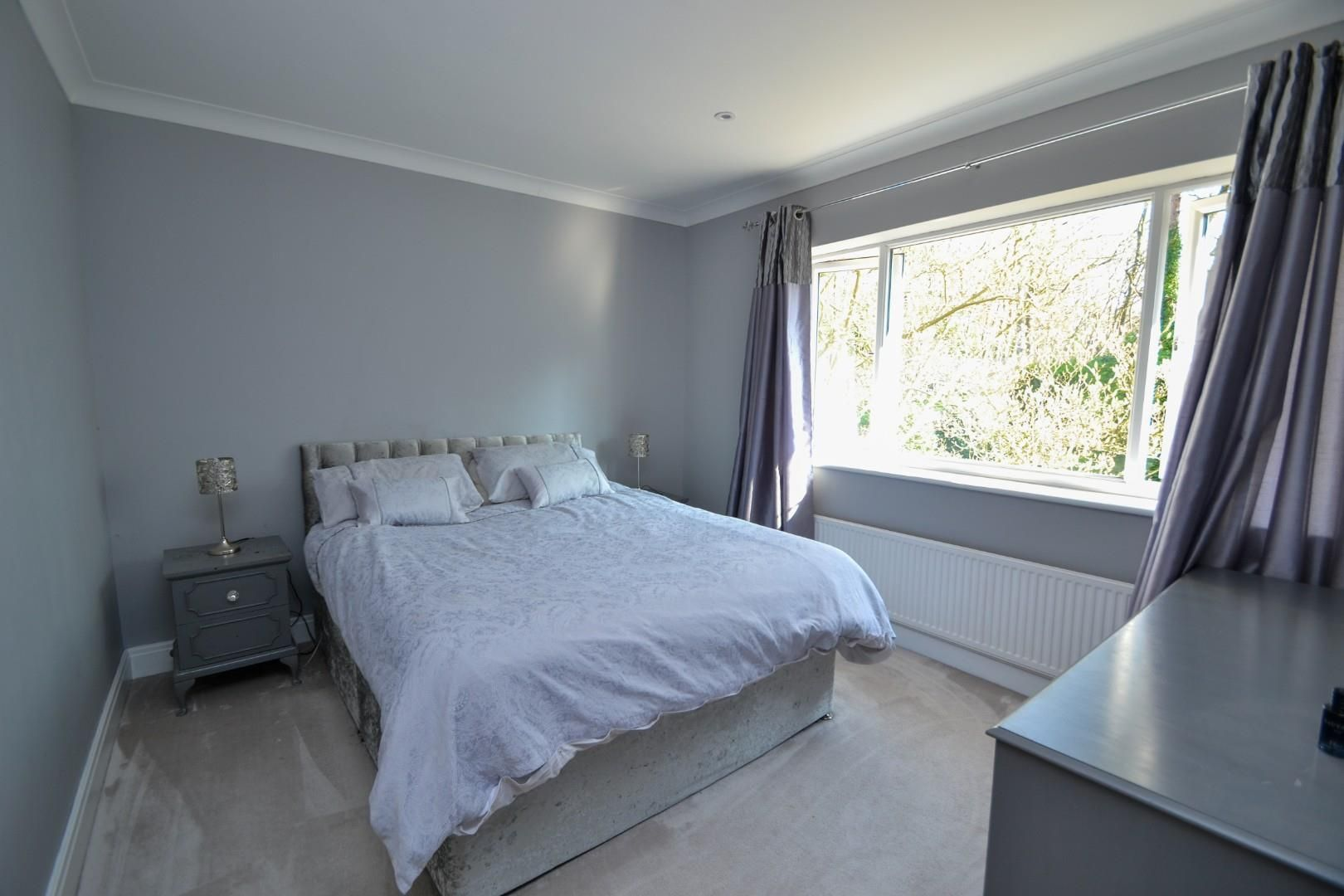 5 bed house for sale  - Property Image 13