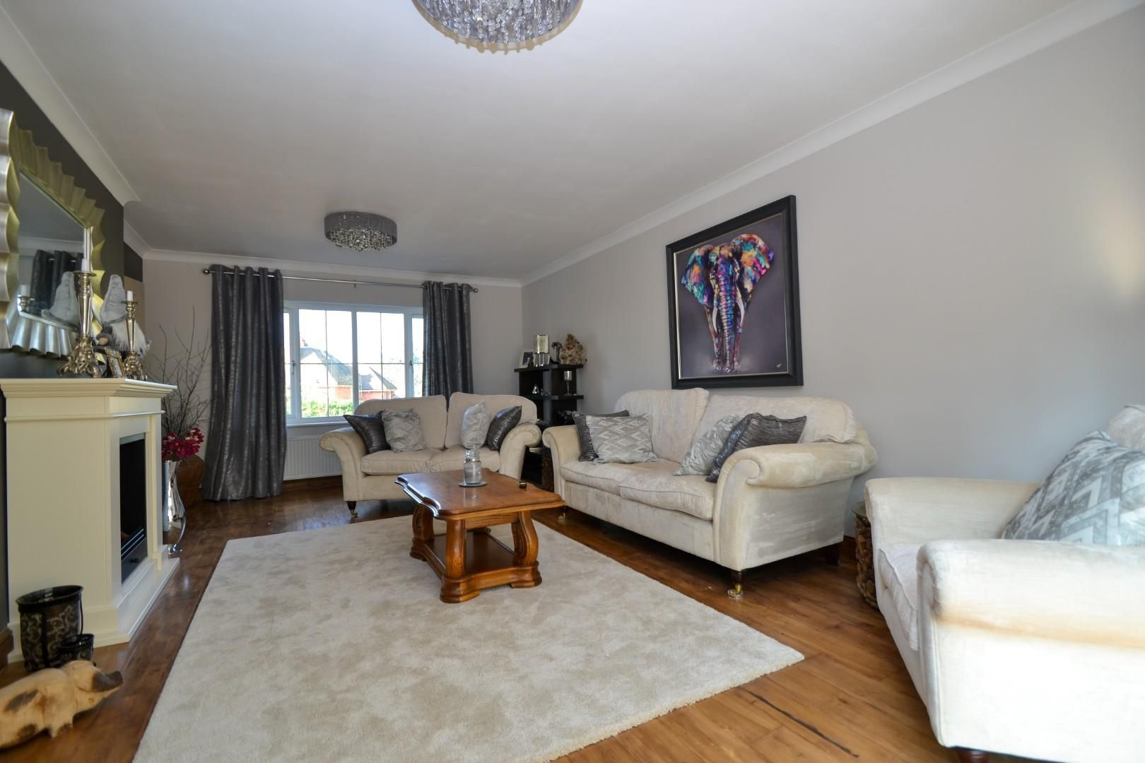 5 bed house for sale  - Property Image 6