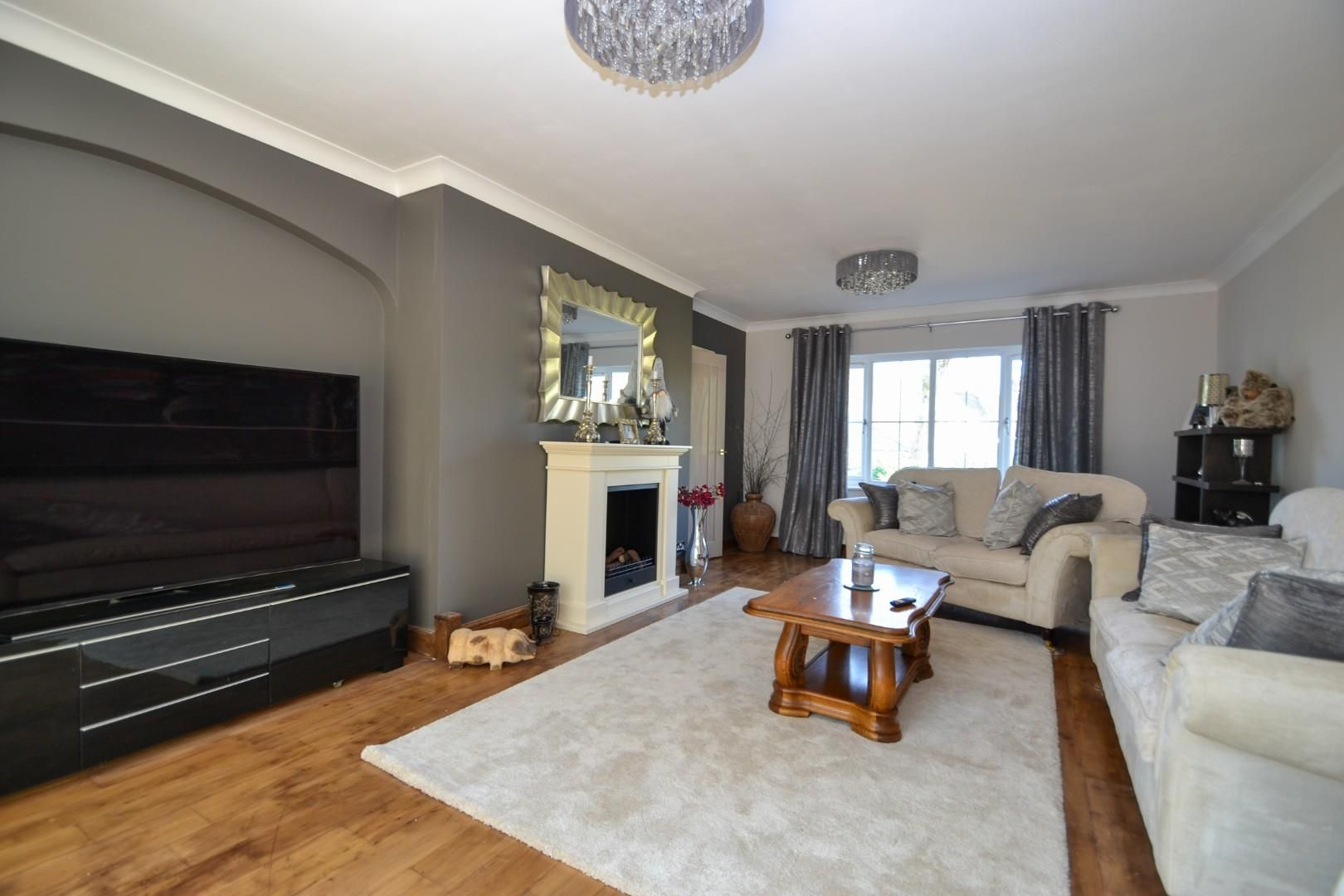 5 bed house for sale 7