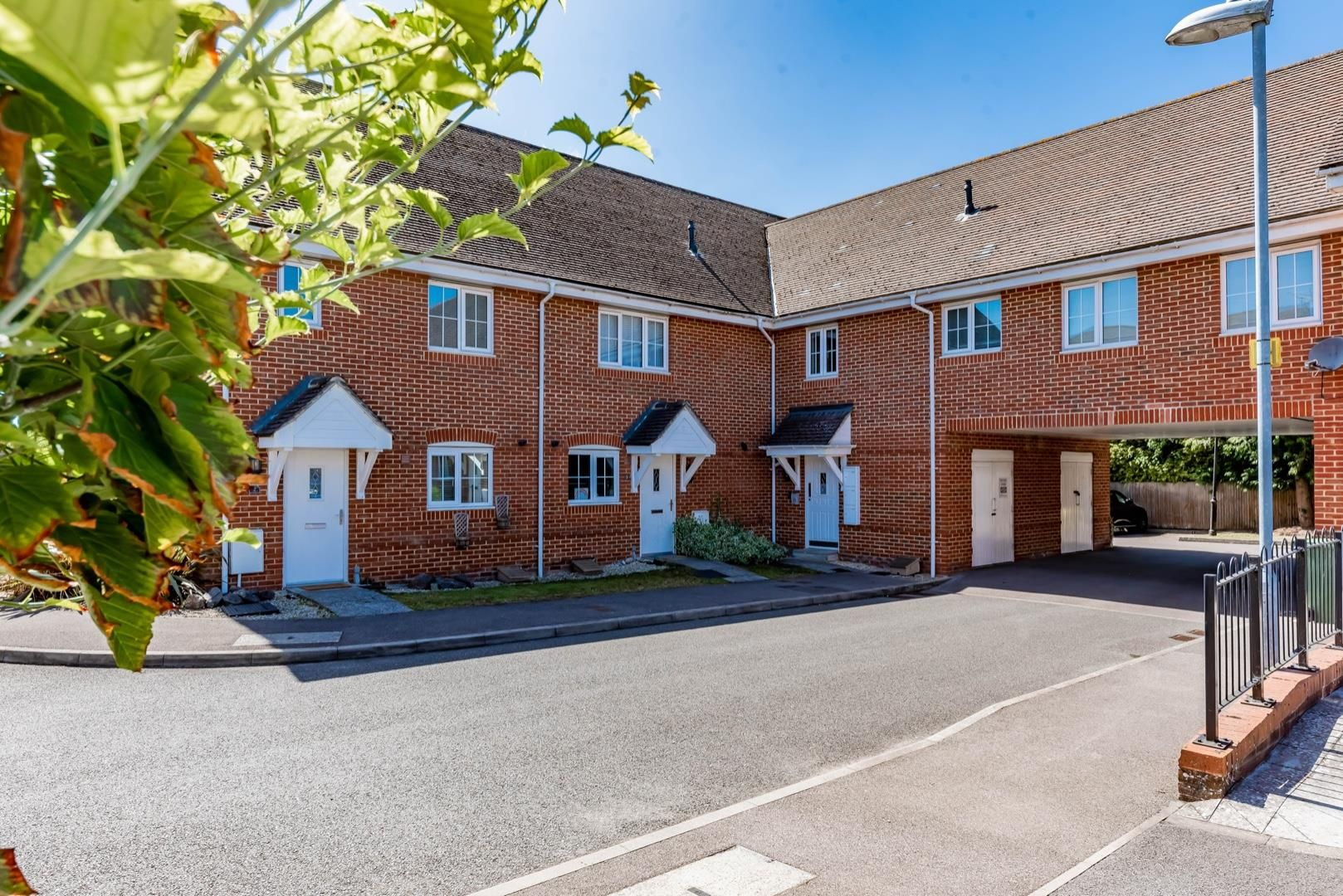 2 bed apartment for sale in College Town, GU47