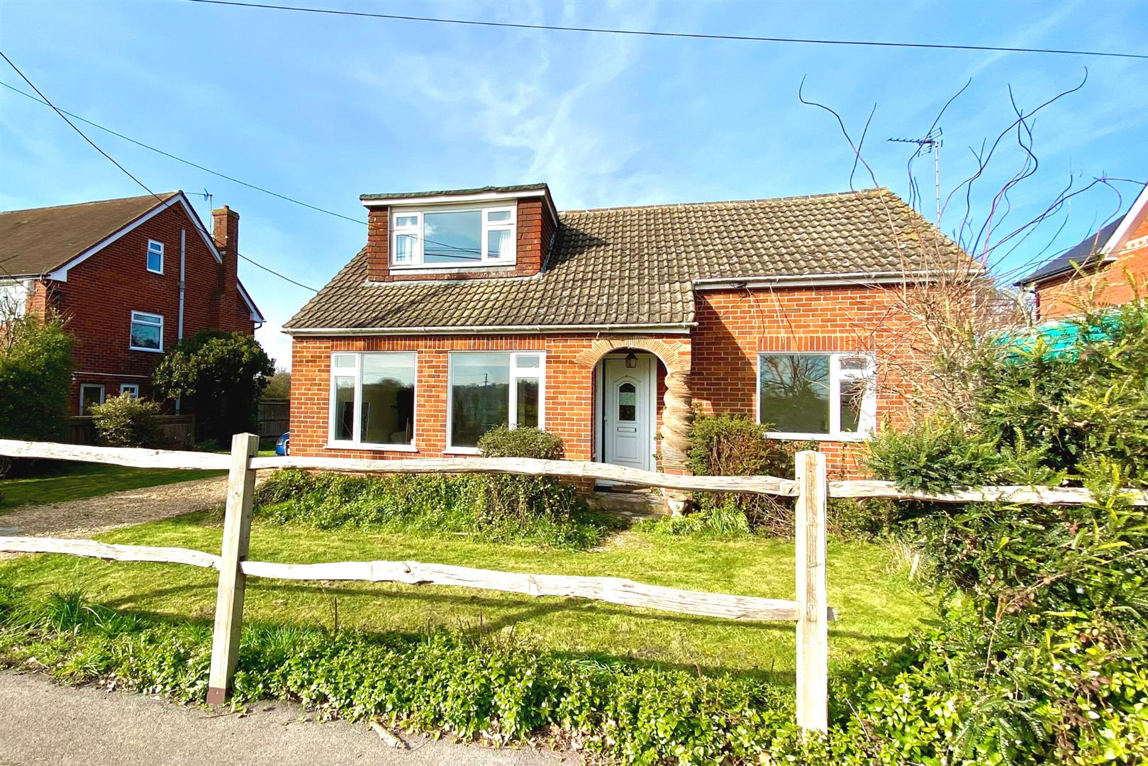 3 bed detached for sale in Three Mile Cross, RG7
