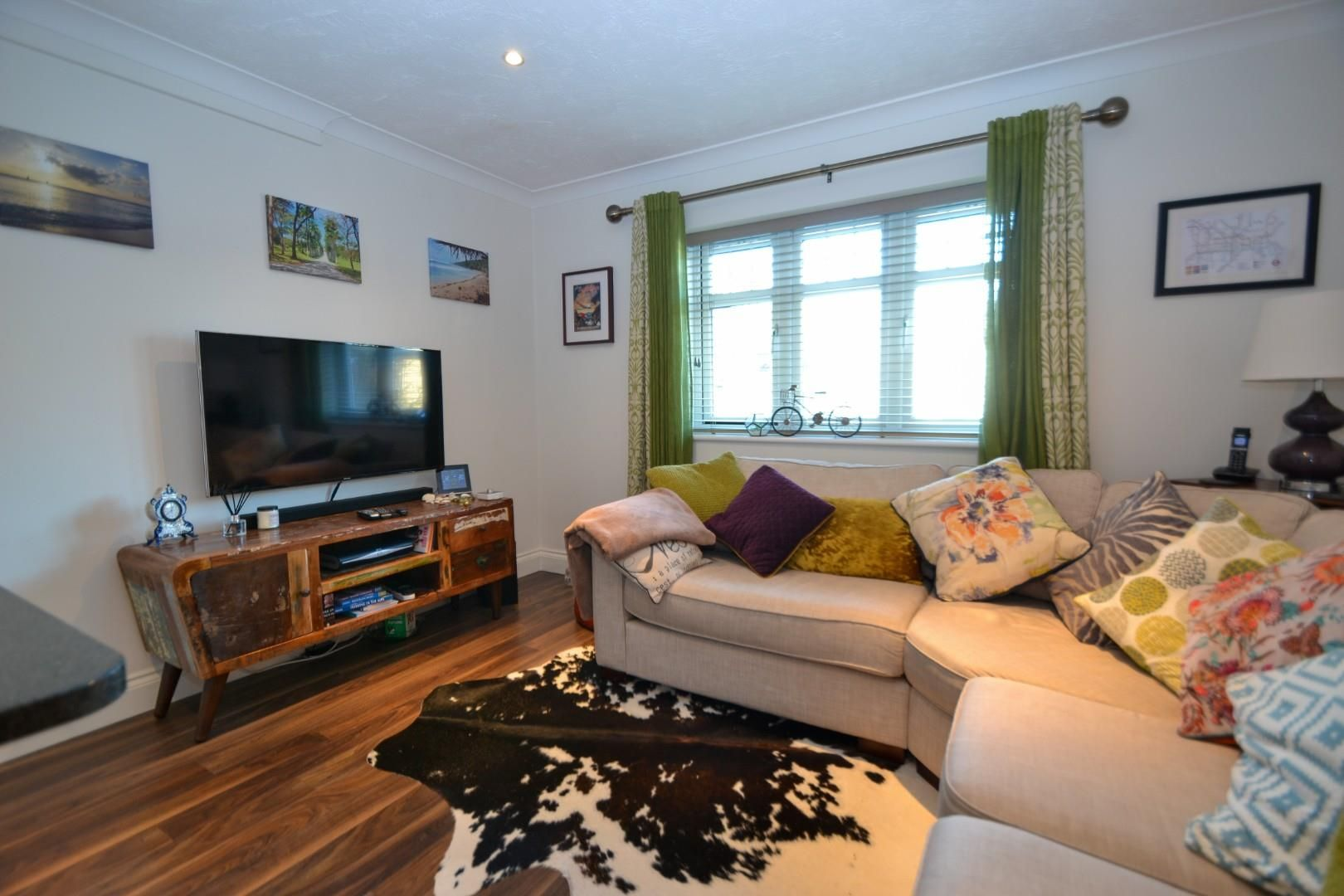 2 bed apartment for sale  - Property Image 3