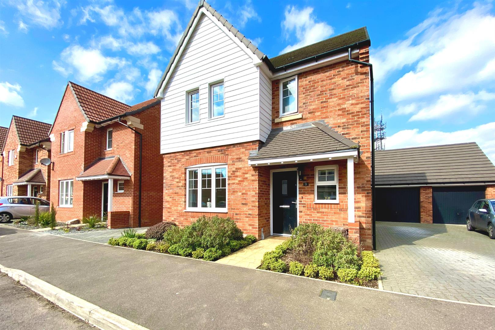 3 bed detached for sale in Woodley, RG5