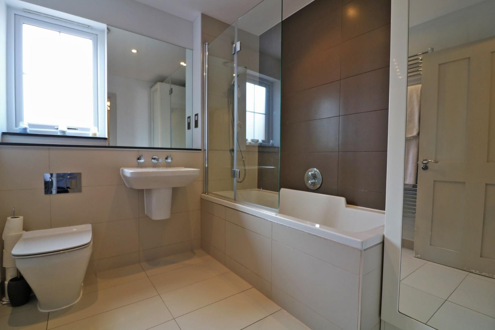 4 bed semi-detached to rent in Binfield  - Property Image 5
