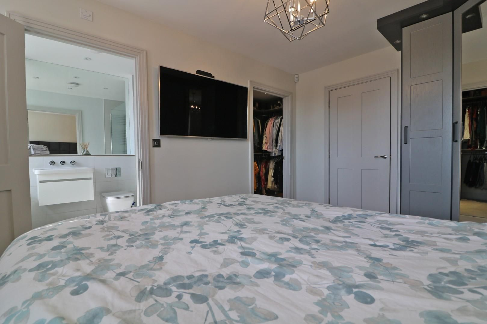 4 bed semi-detached to rent in Binfield  - Property Image 7