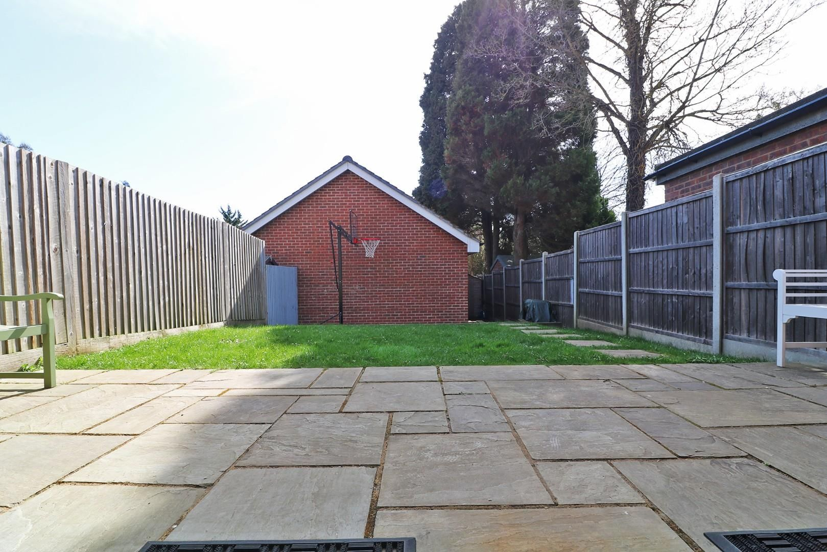 4 bed semi-detached to rent in Binfield  - Property Image 10