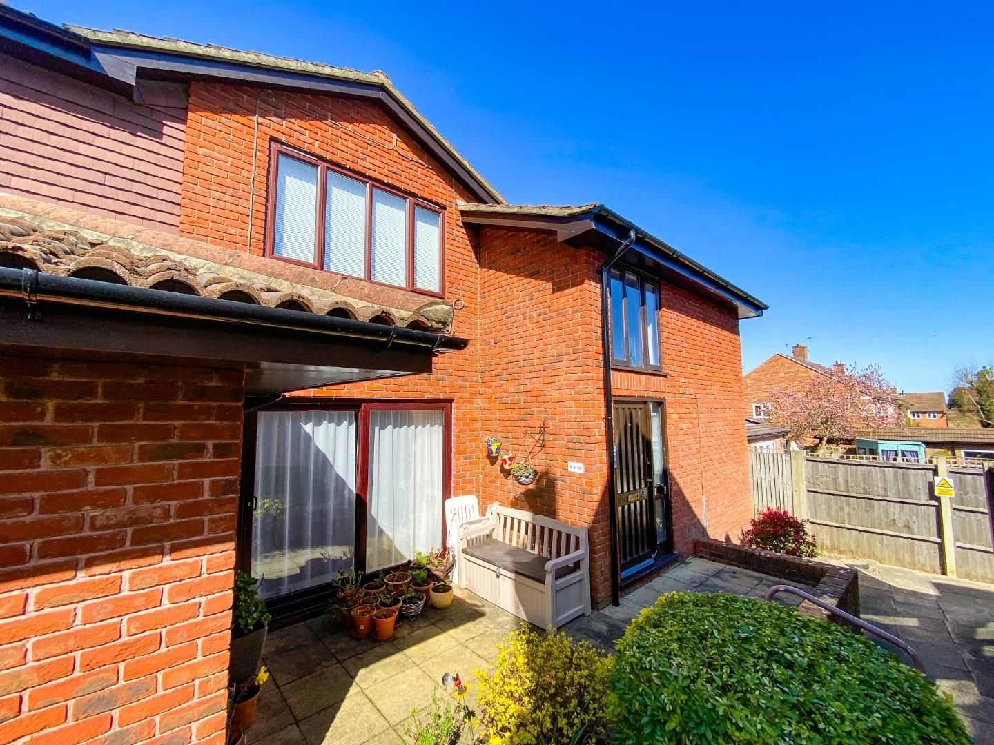 1 bed house for sale, KT18