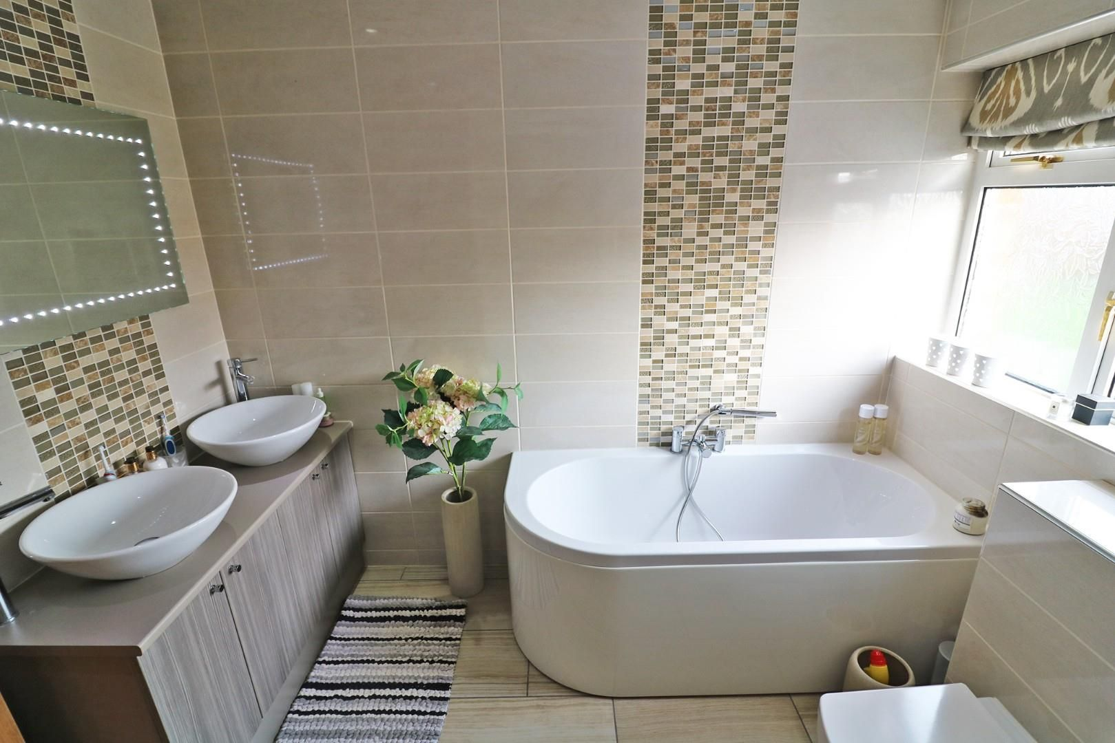 3 bed semi-detached to rent in Caversham 4
