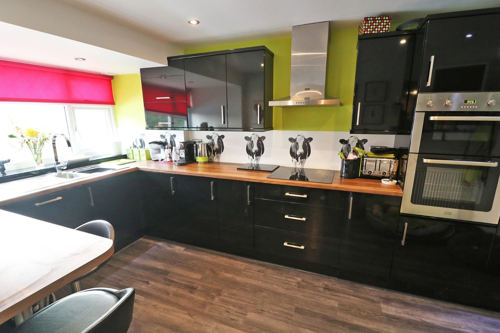 3 bed semi-detached to rent in Caversham 8