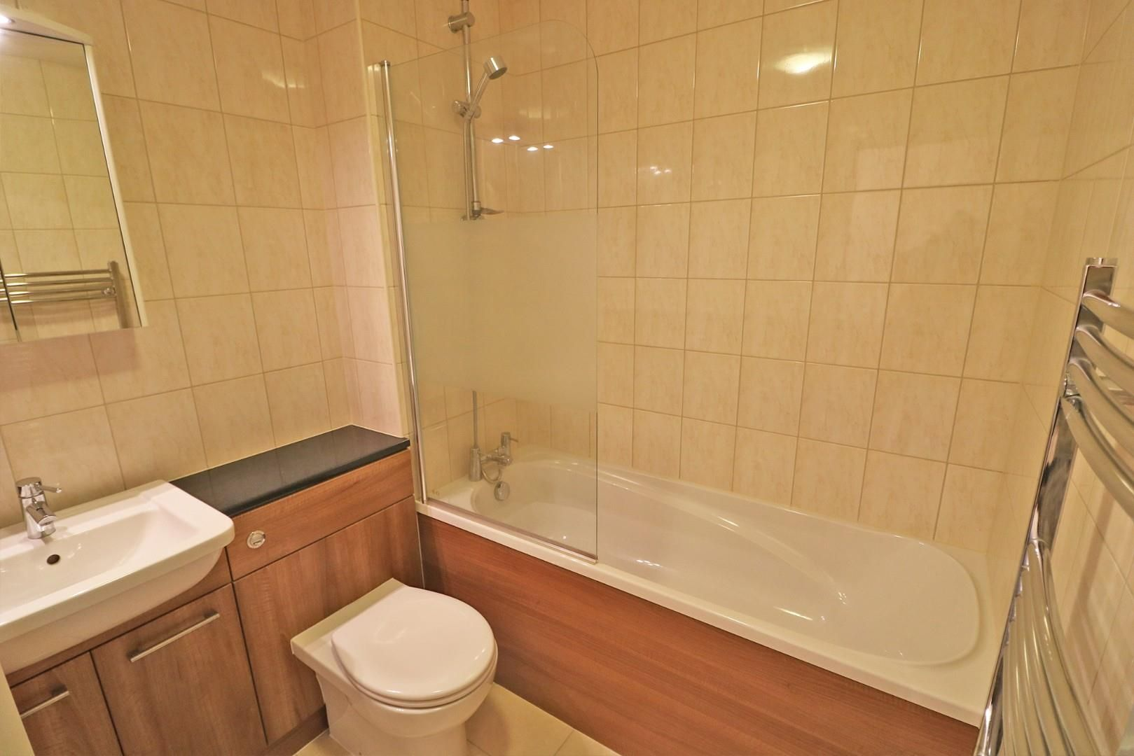 3 bed terraced to rent 4