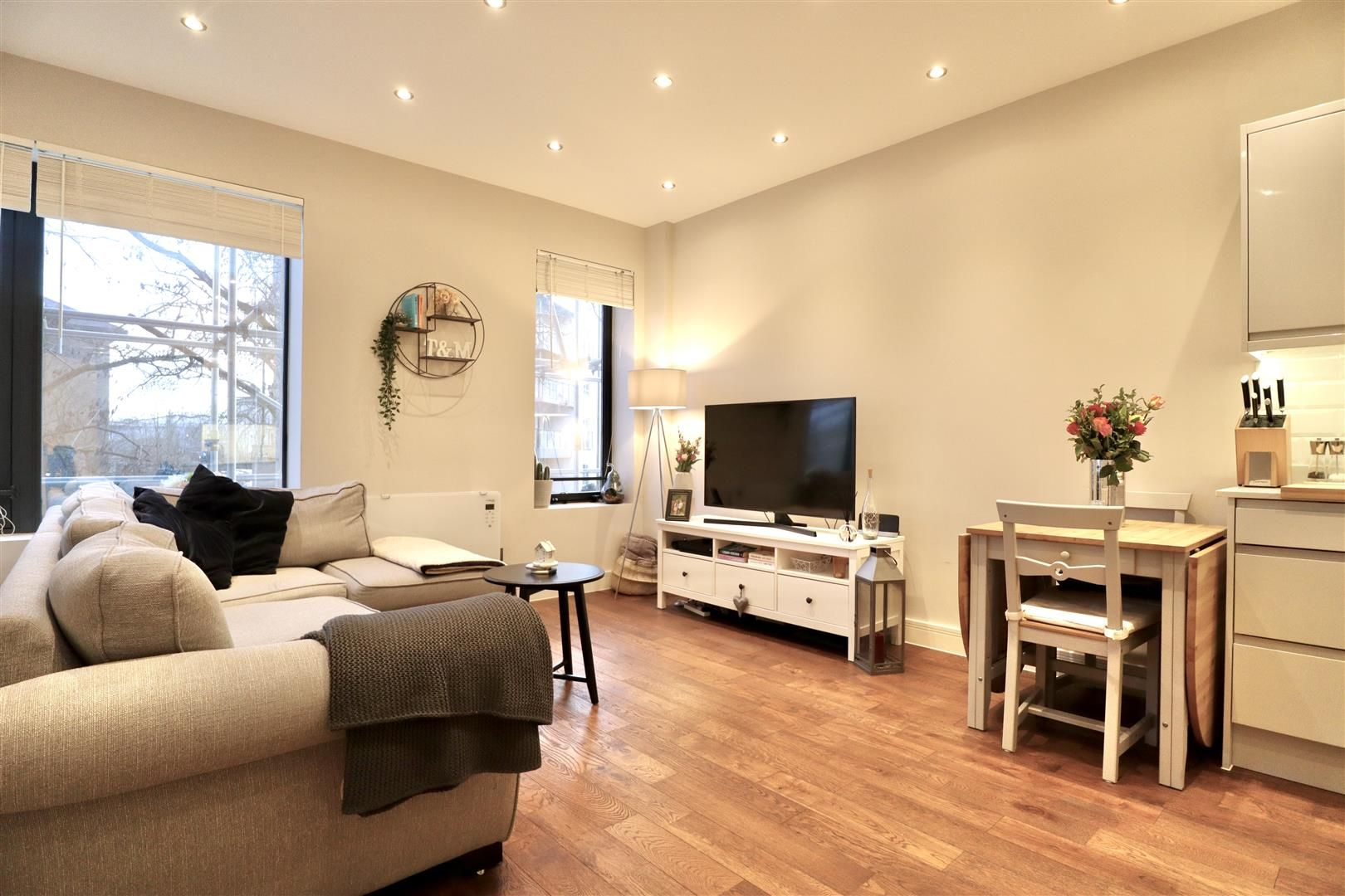 1 bed flat for sale, RG12