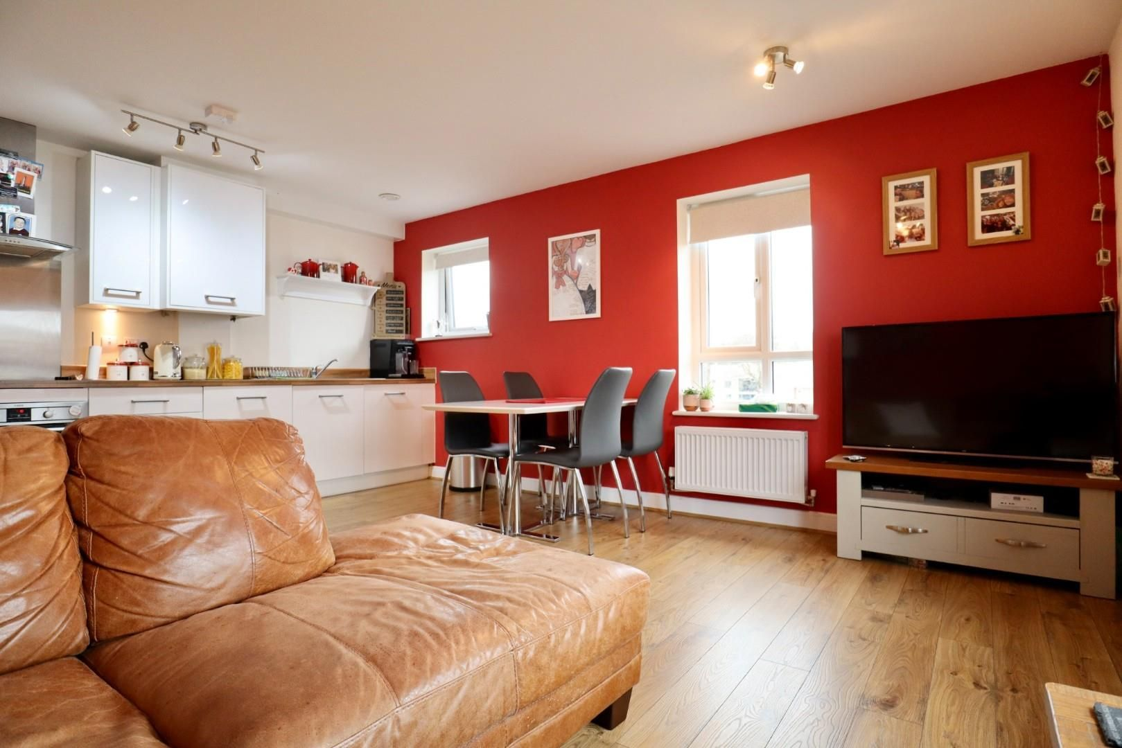 2 bed apartment for sale, RG12