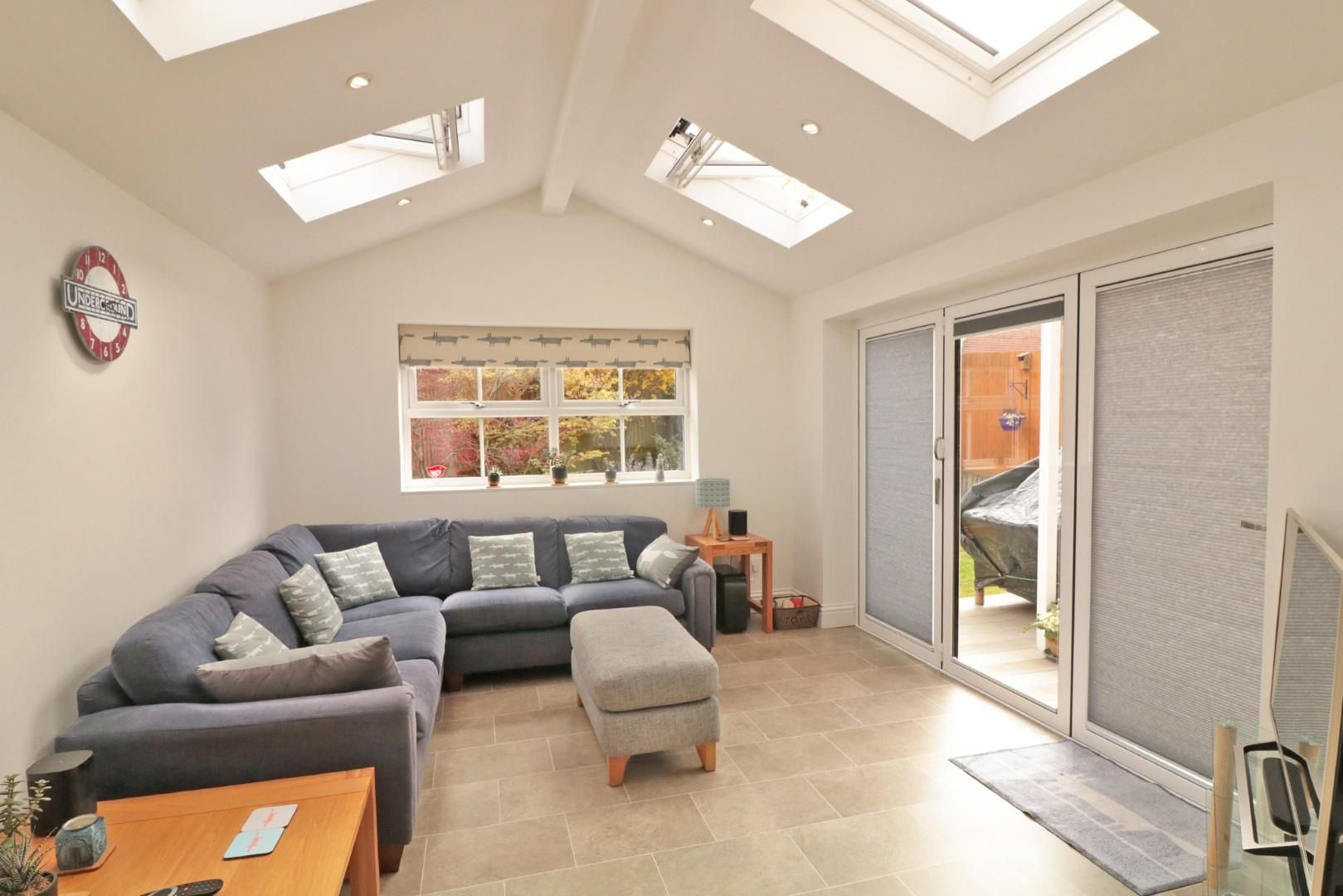 4 bed detached for sale in Binfield  - Property Image 3