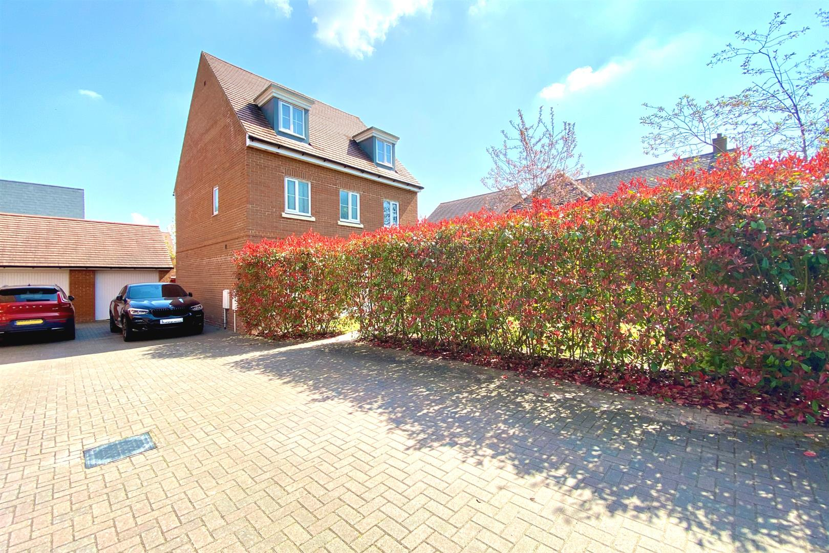5 bed detached for sale in Three Mile Cross 11